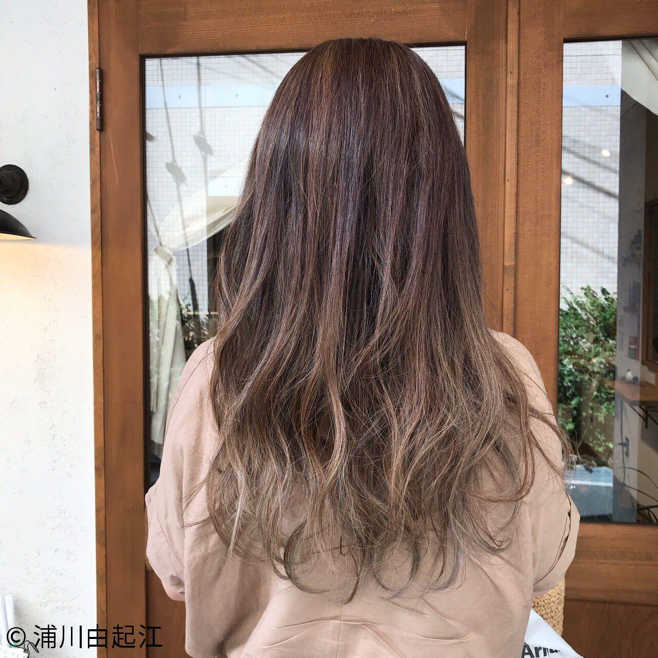 グラデーションカラー ロング デート ハイライトヘアスタイルや髪型の写真・画像