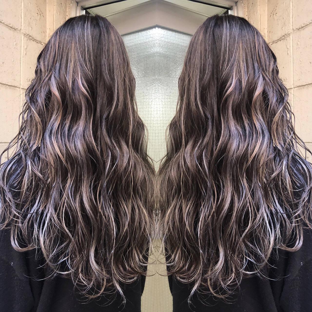 外国人風カラー セミロング グレージュ 3Dハイライトヘアスタイルや髪型の写真・画像