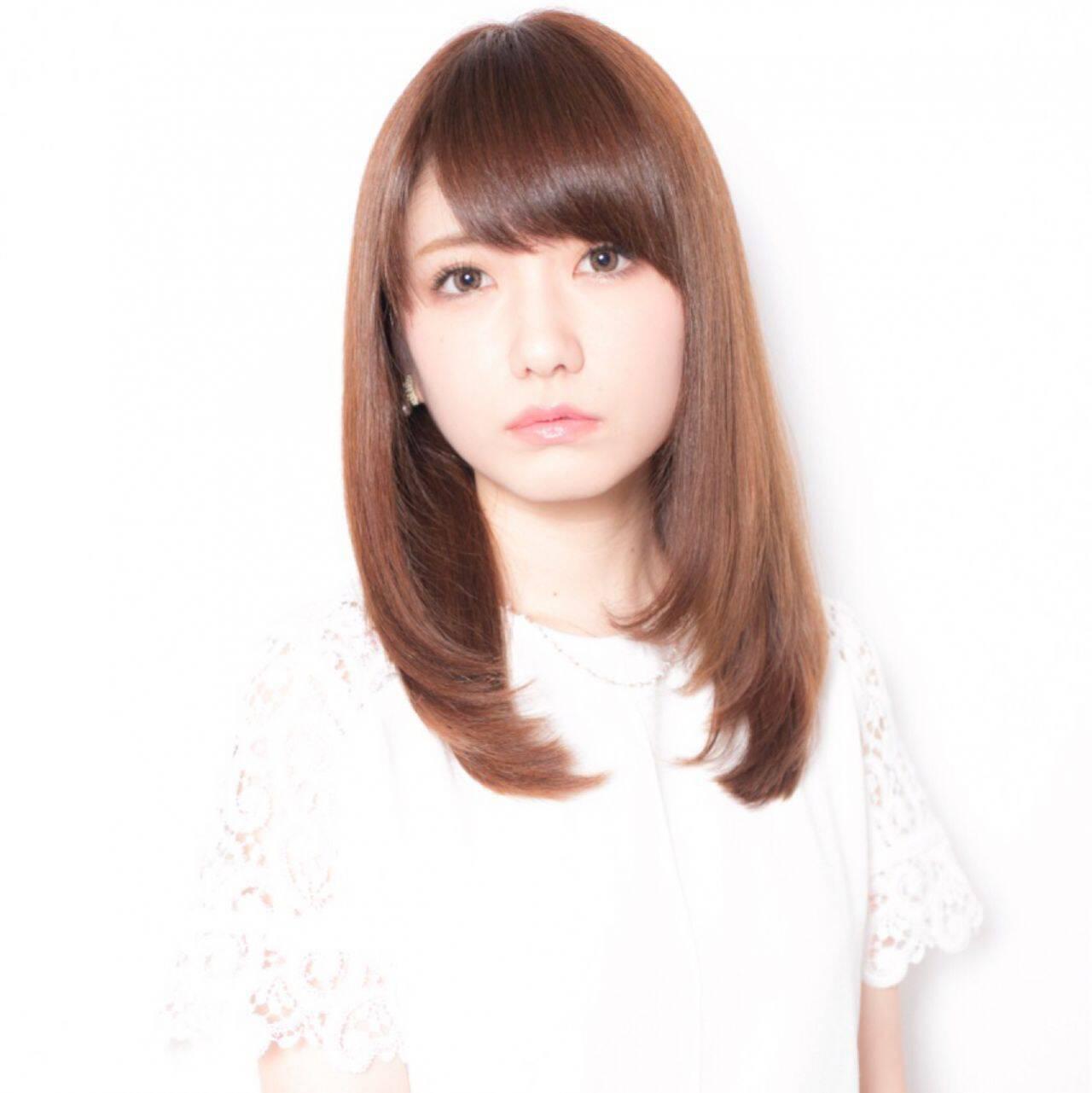 モテ髪 ナチュラル ストレート コンサバヘアスタイルや髪型の写真・画像