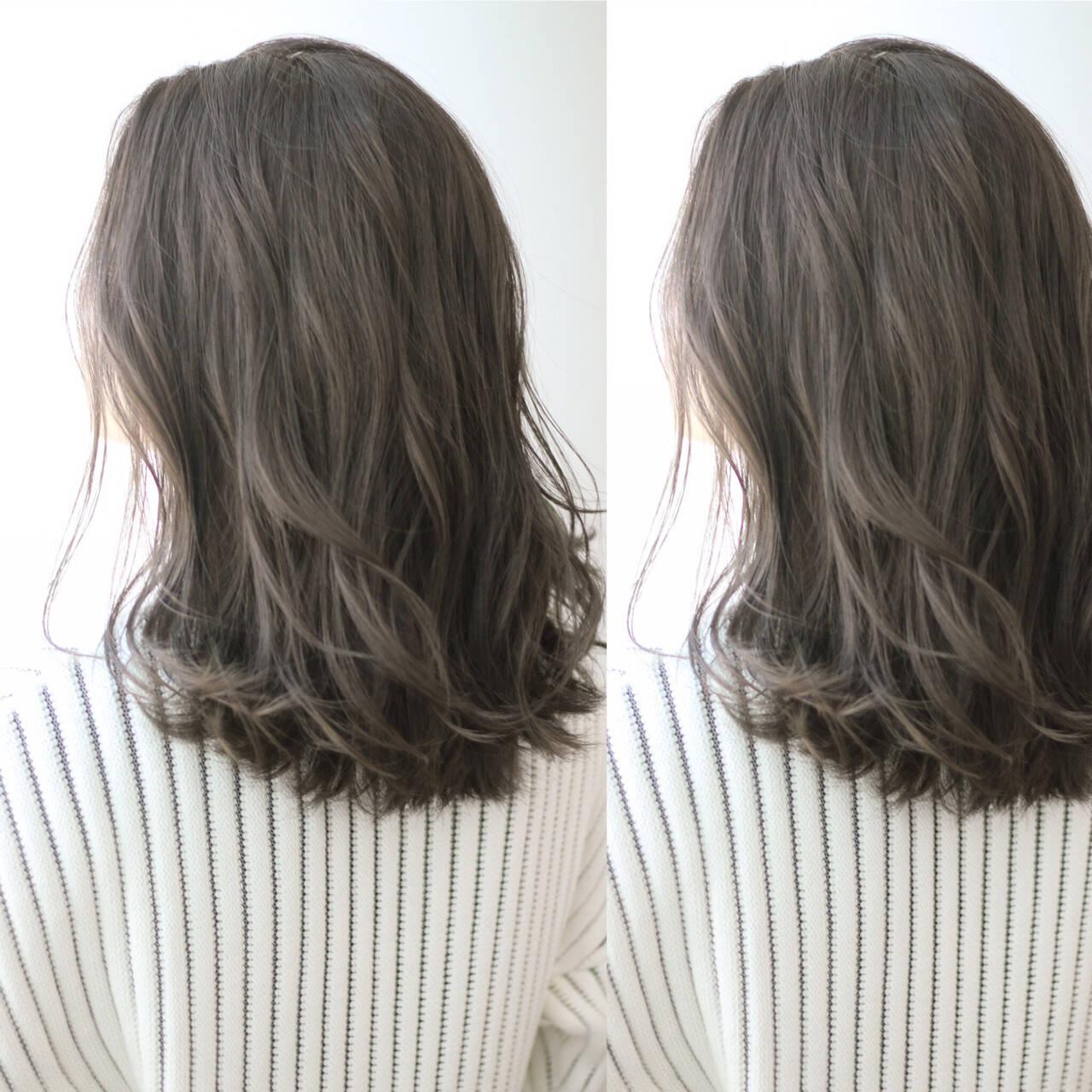 ロング アッシュ 外国人風 グレージュヘアスタイルや髪型の写真・画像