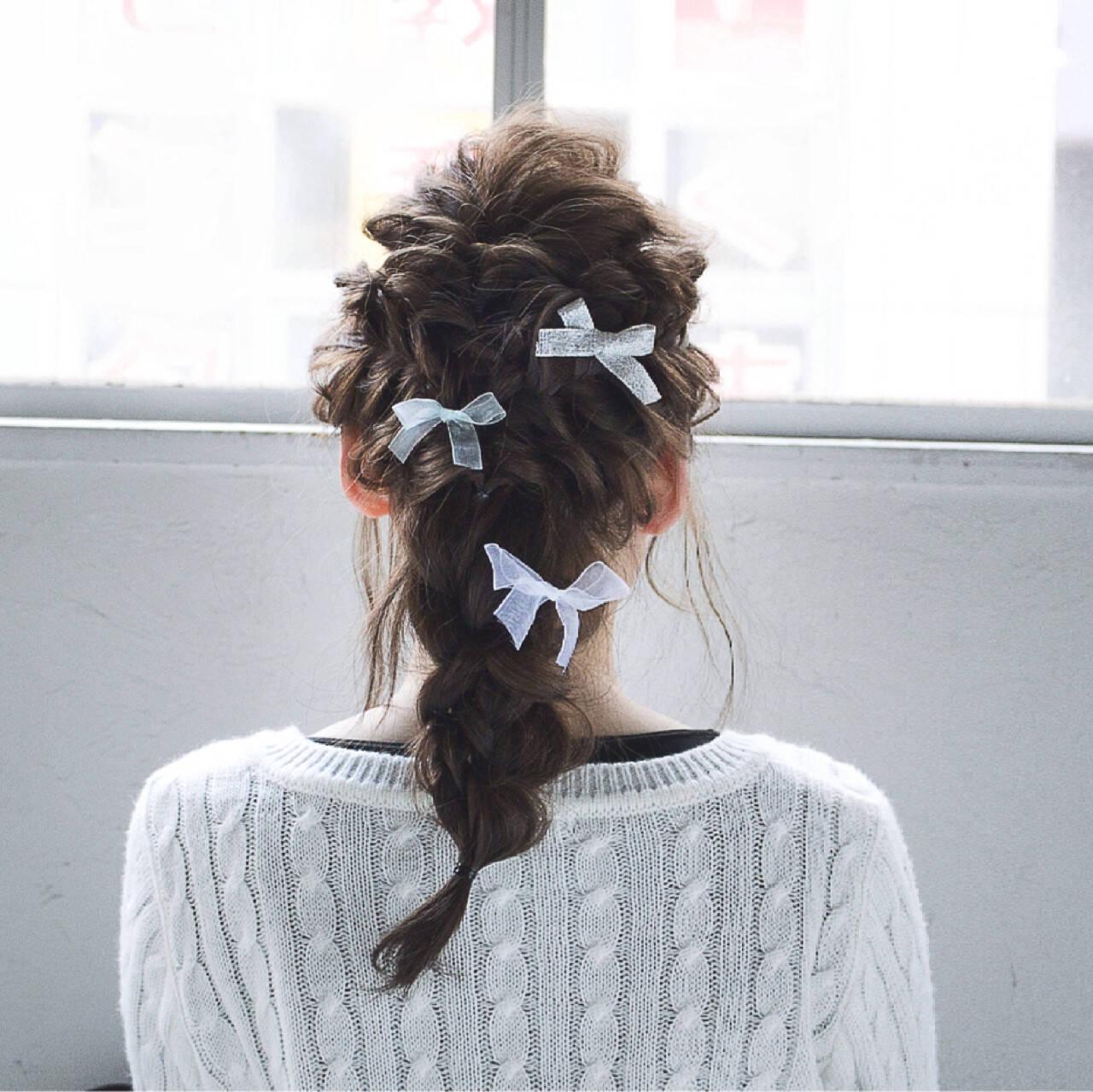編み込み ヘアアレンジ 外国人風 セミロングヘアスタイルや髪型の写真・画像