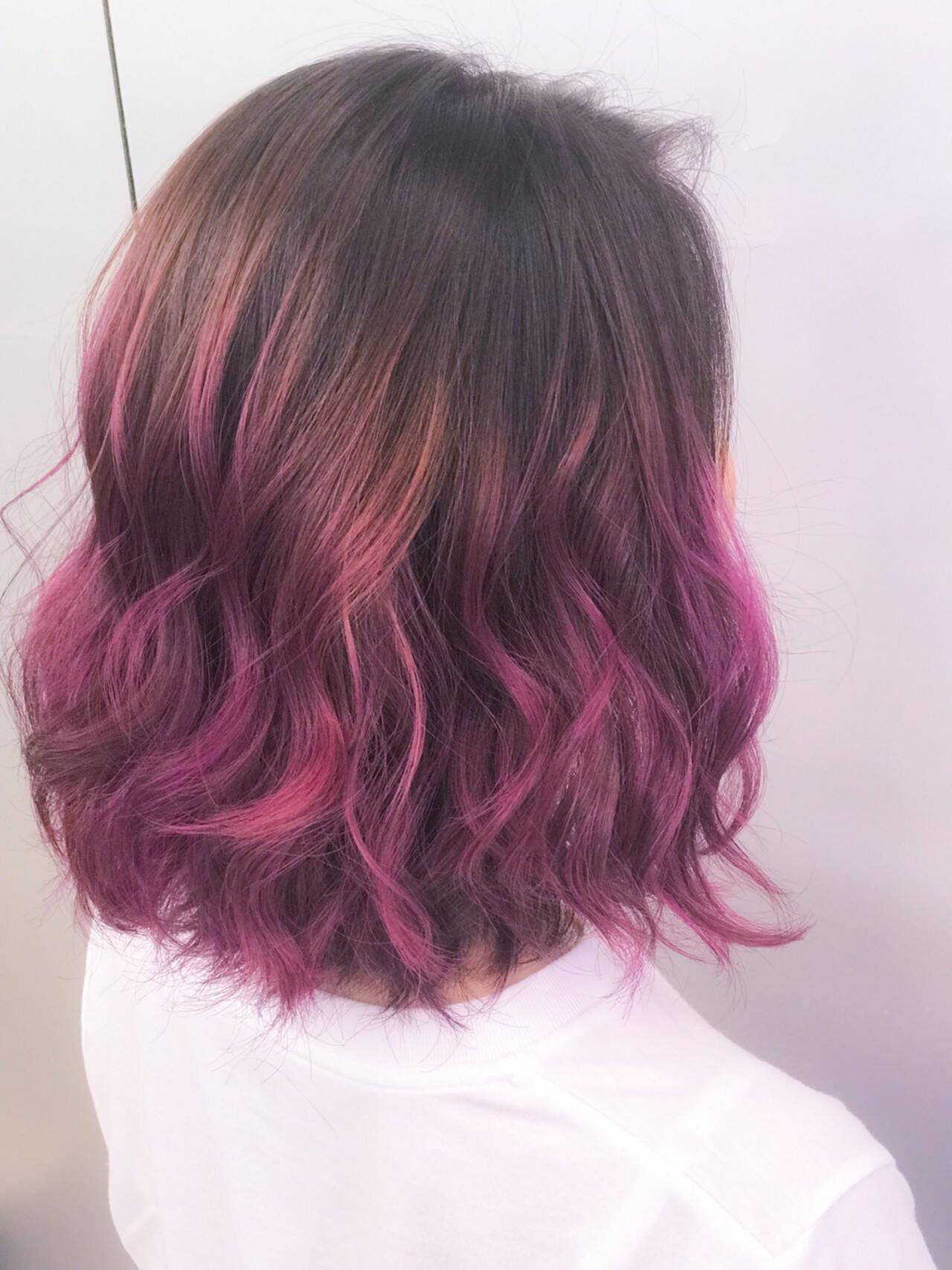 個性的 グラデーションカラー ピンク ボブヘアスタイルや髪型の写真・画像