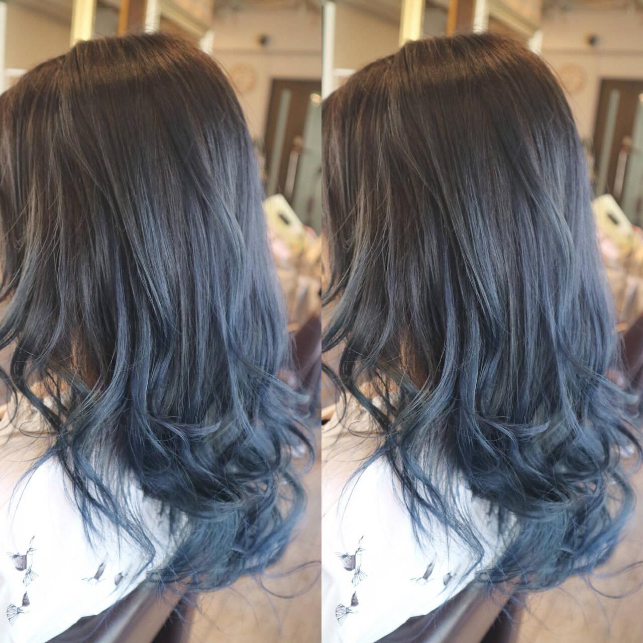 ミディアム グラデーションカラー ストリート ブルージュヘアスタイルや髪型の写真・画像