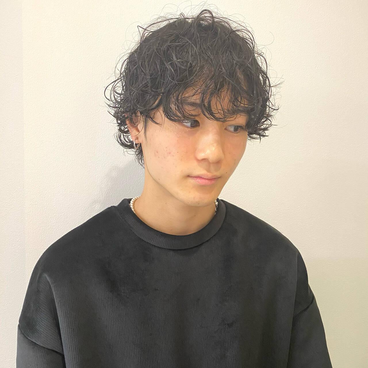 ショートマッシュ スパイラルパーマ メンズヘア メンズカジュアルヘアスタイルや髪型の写真・画像