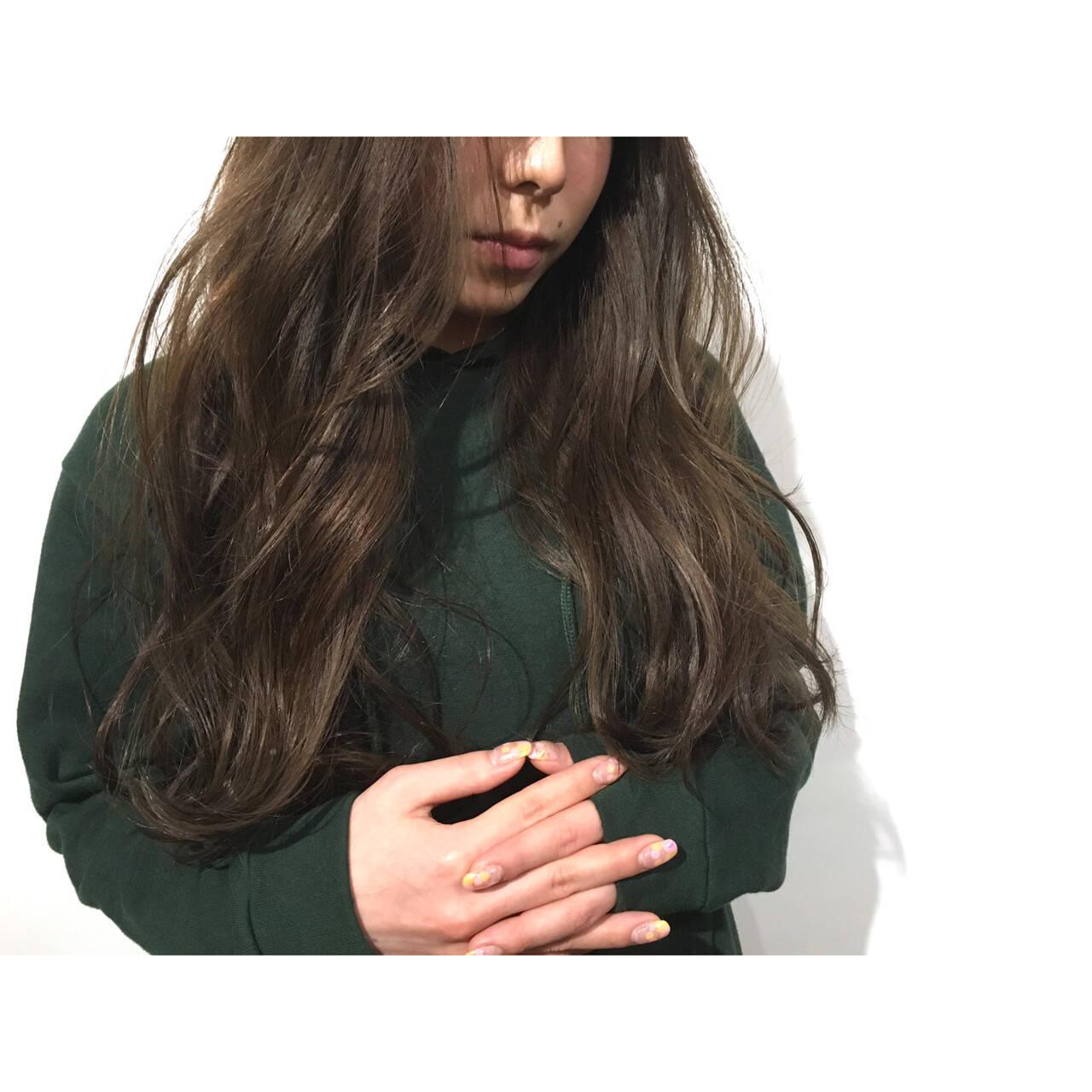 黒髪 アッシュ 暗髪 ゆるふわヘアスタイルや髪型の写真・画像