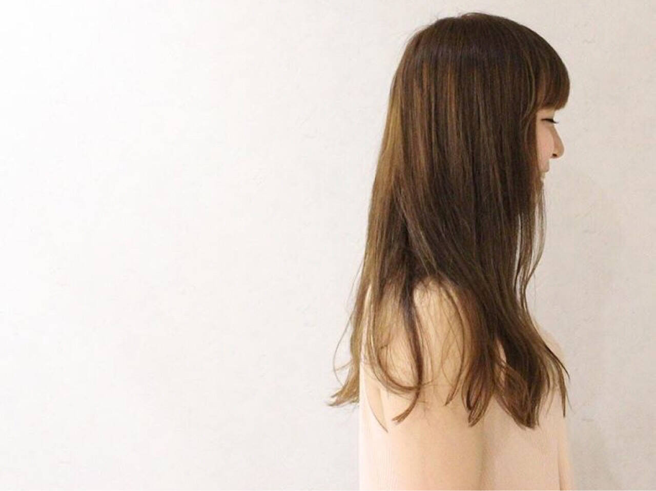 ロング フェミニン アッシュ 透明感ヘアスタイルや髪型の写真・画像