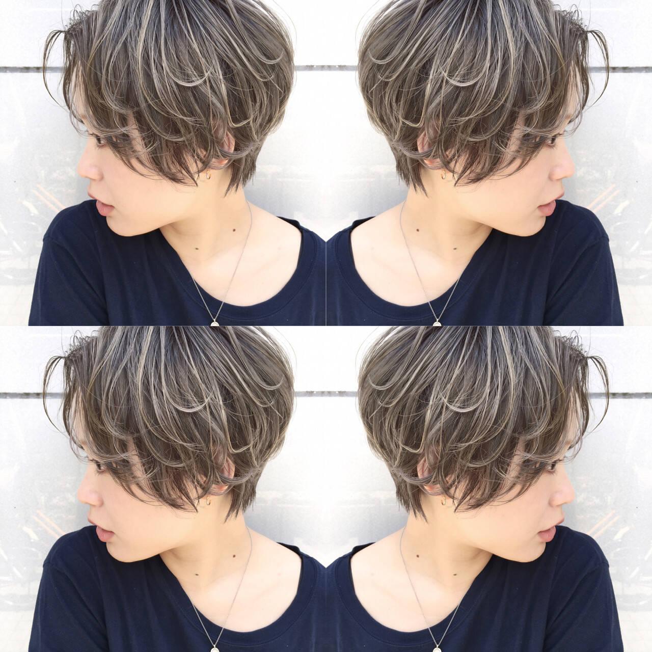 雨の日 アンニュイ ハイライト ショートヘアスタイルや髪型の写真・画像