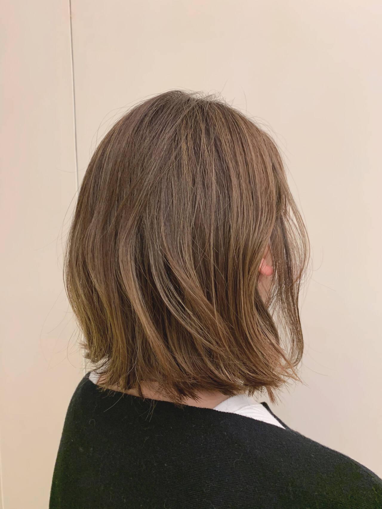 外ハネボブ 外ハネ ボブ 切りっぱなしボブヘアスタイルや髪型の写真・画像