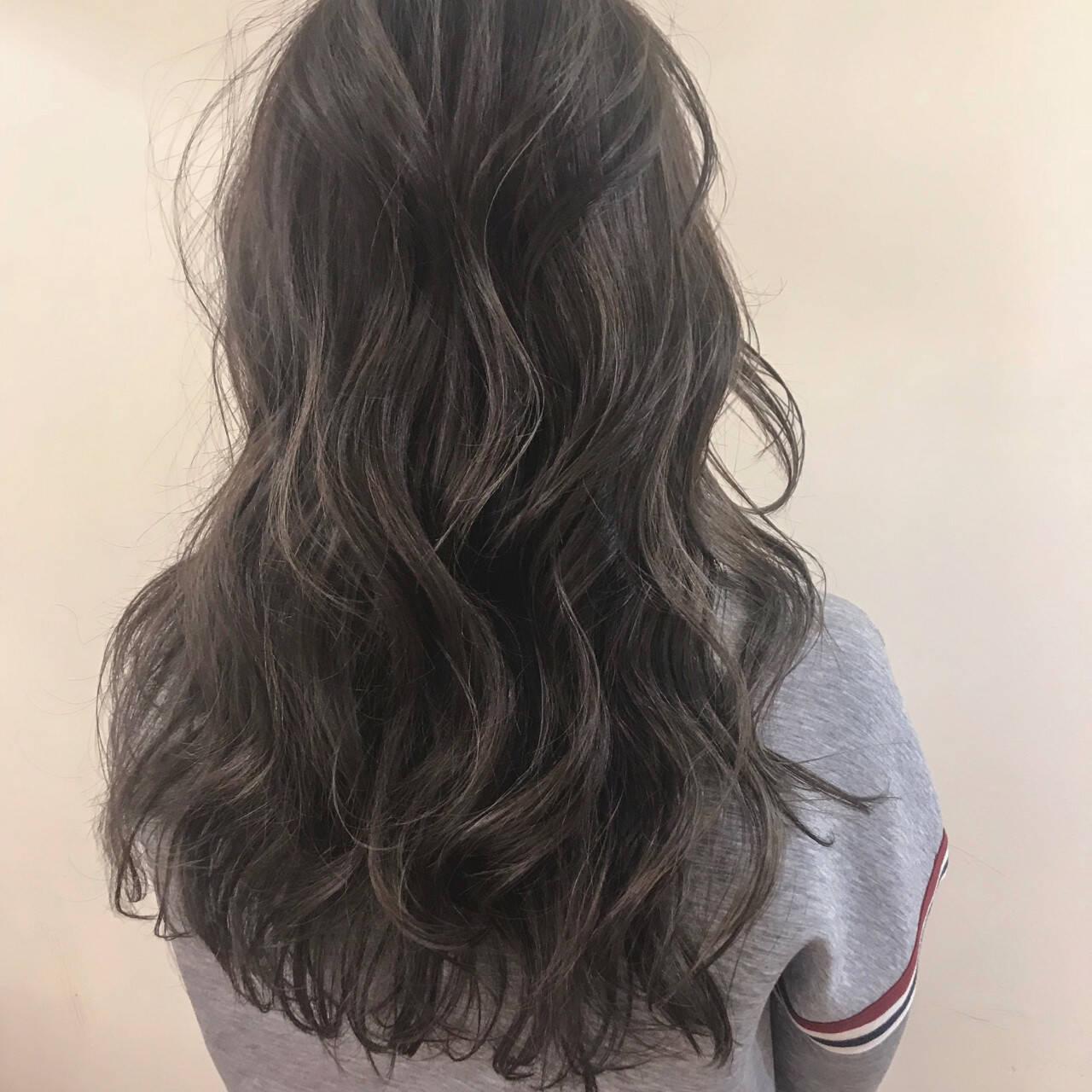 アンニュイ ゆるふわ デート ロングヘアスタイルや髪型の写真・画像