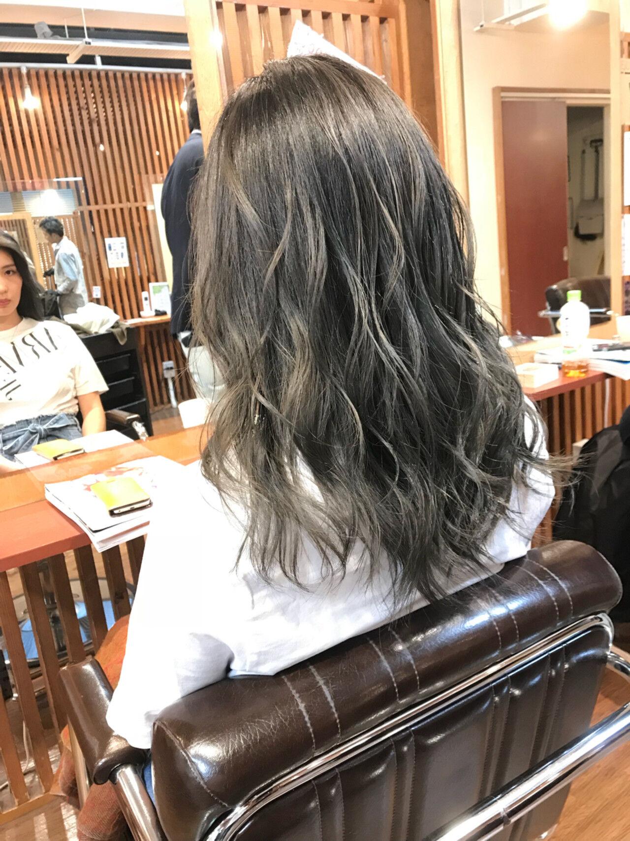 セミロング 上品 ハイライト バレイヤージュヘアスタイルや髪型の写真・画像