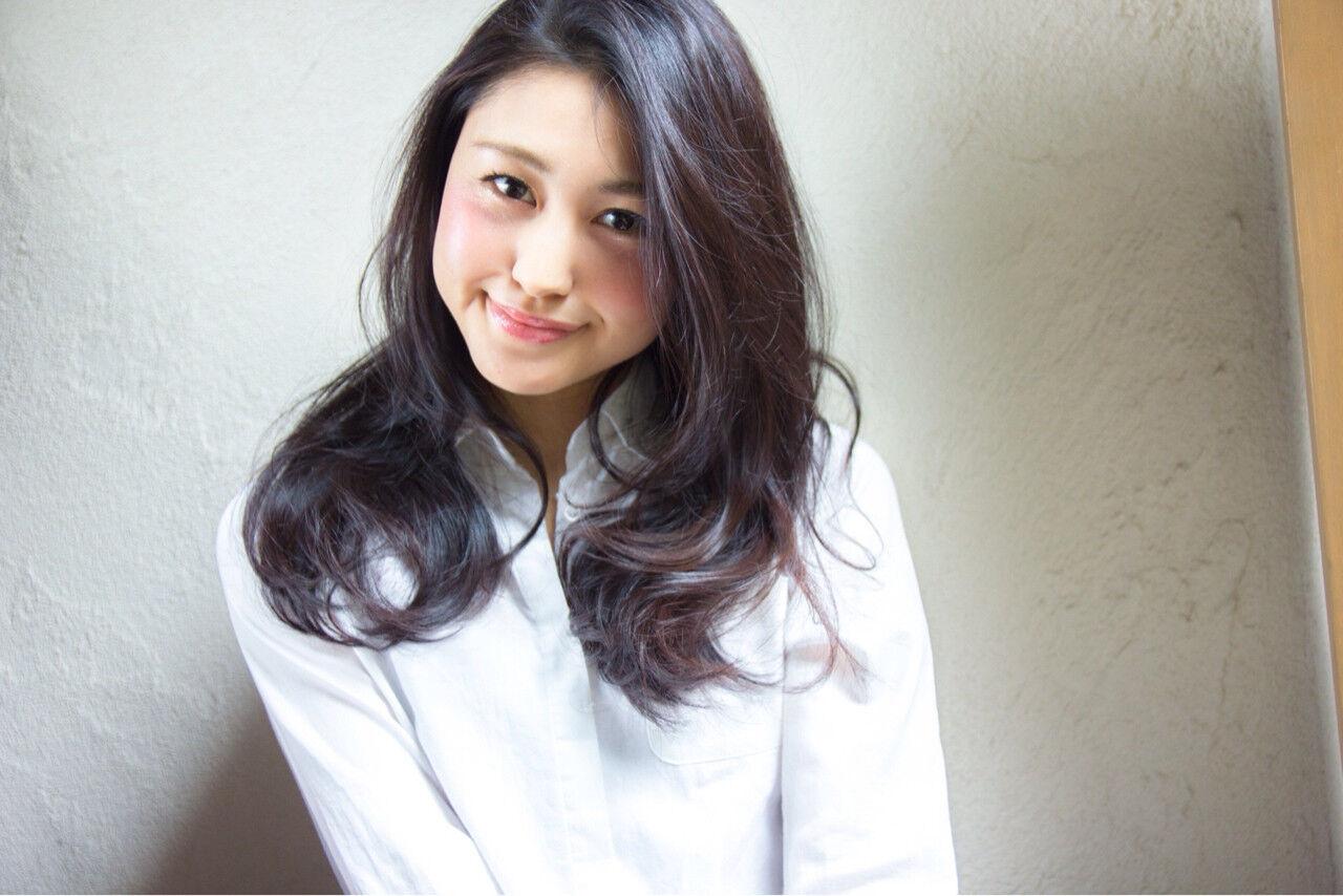 暗髪 パーマ かっこいい ナチュラルヘアスタイルや髪型の写真・画像