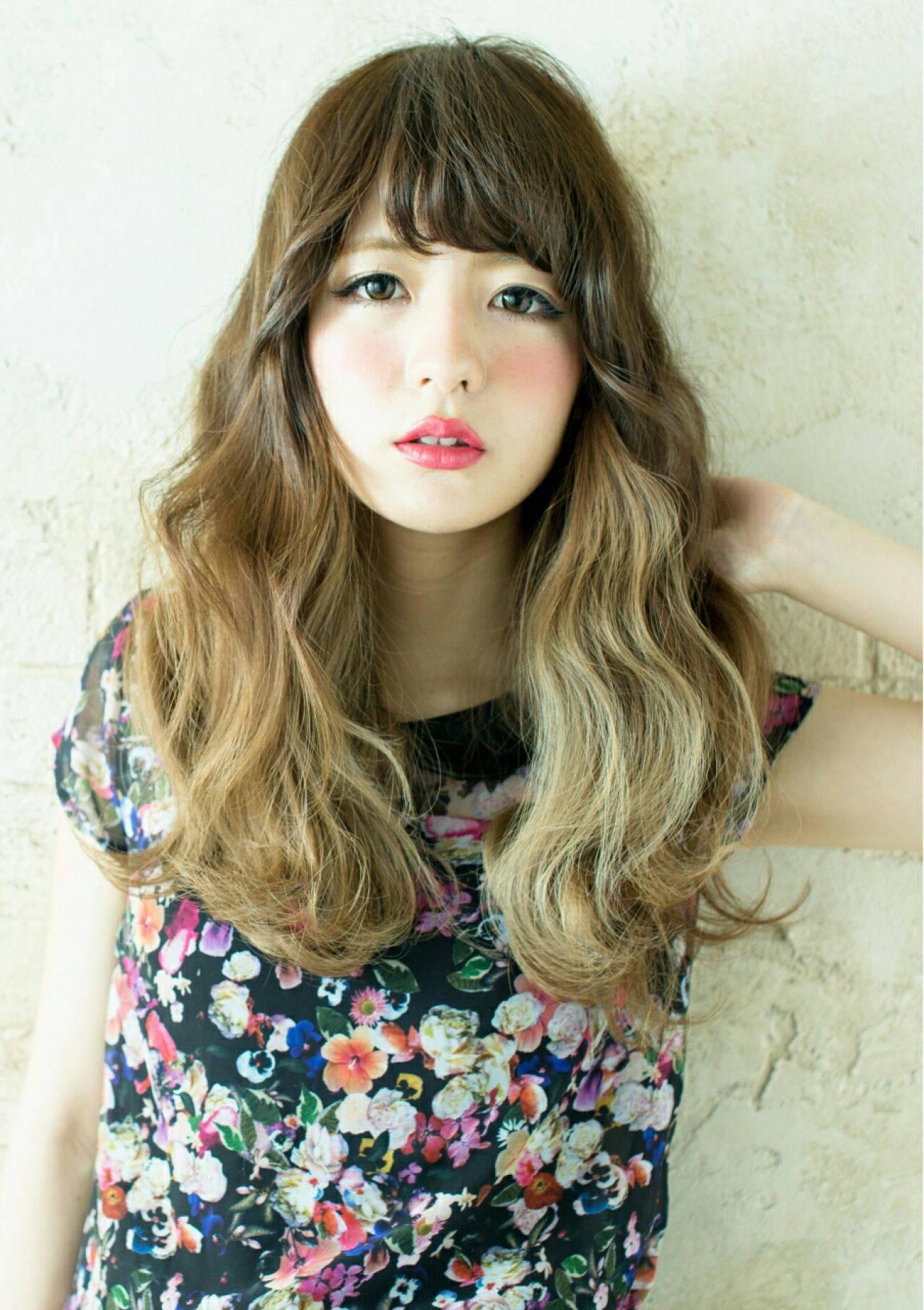 アッシュ ナチュラル 外国人風カラー ロングヘアスタイルや髪型の写真・画像