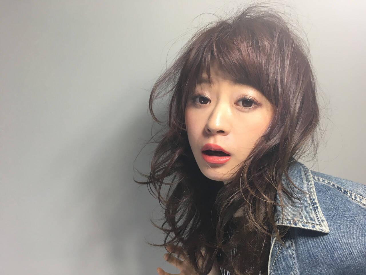 ヘアアレンジ セミロング 外国人風 ストリートヘアスタイルや髪型の写真・画像