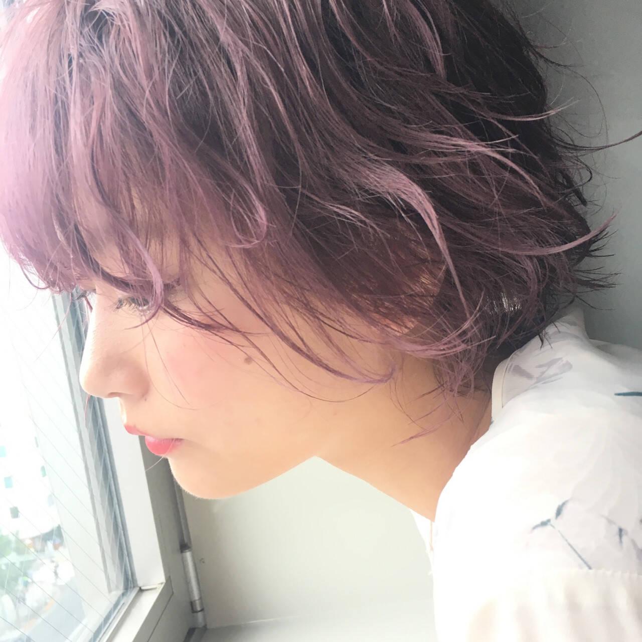 ボブ ピンク パープル フェミニンヘアスタイルや髪型の写真・画像