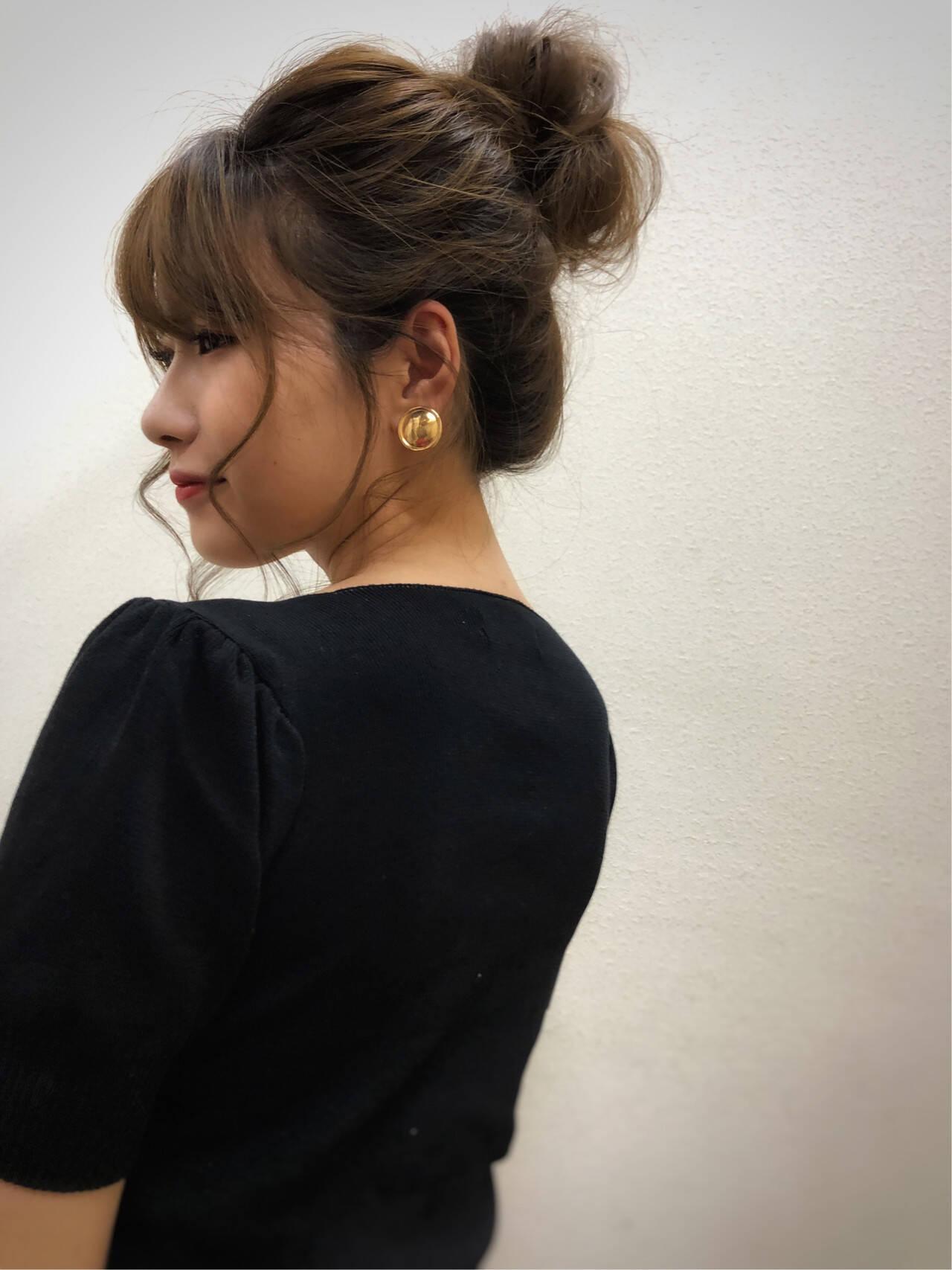 ヘアアレンジ ガーリー お団子ヘア セミロングヘアスタイルや髪型の写真・画像