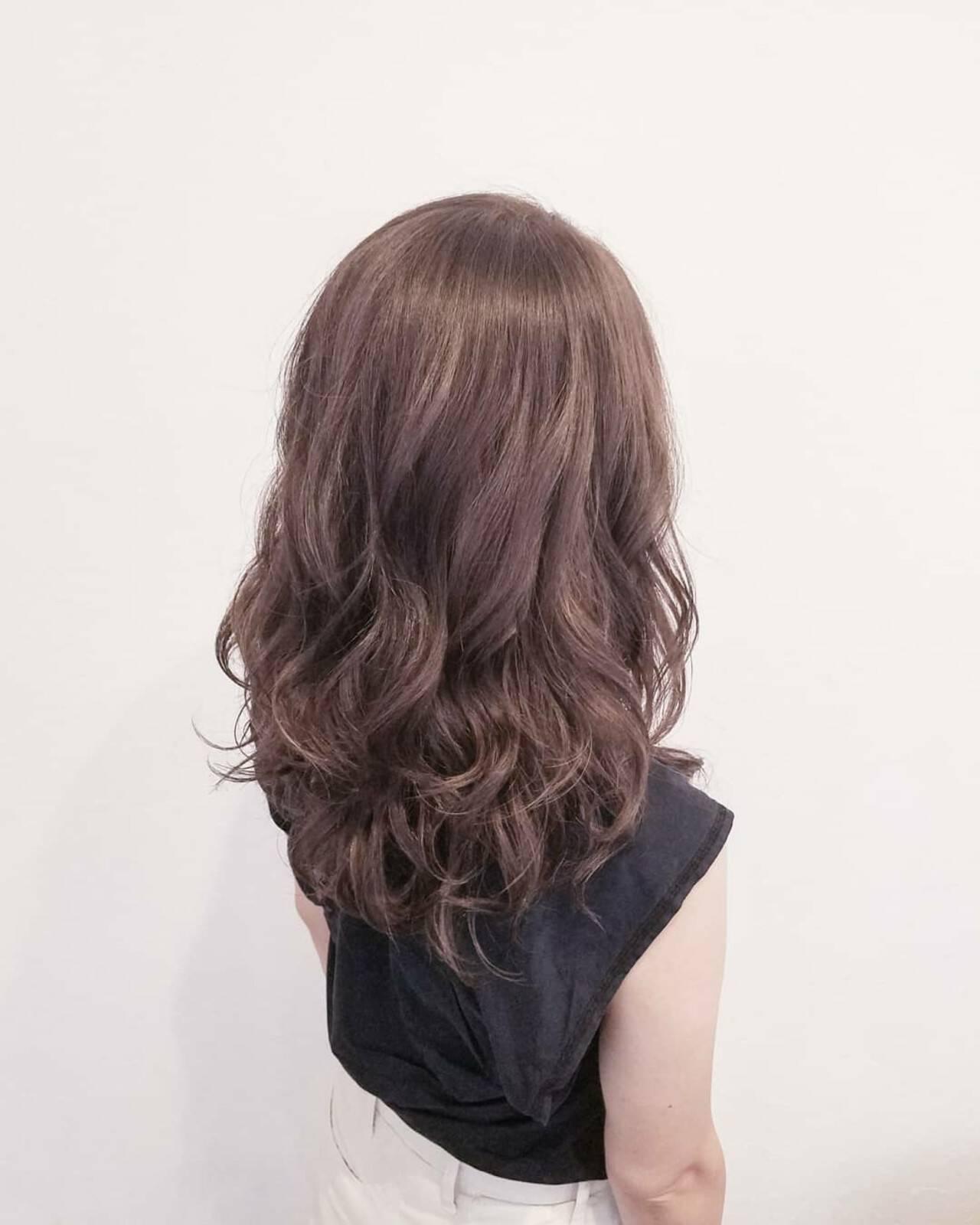 ハイライト エフォートレス フェミニン オフィスヘアスタイルや髪型の写真・画像