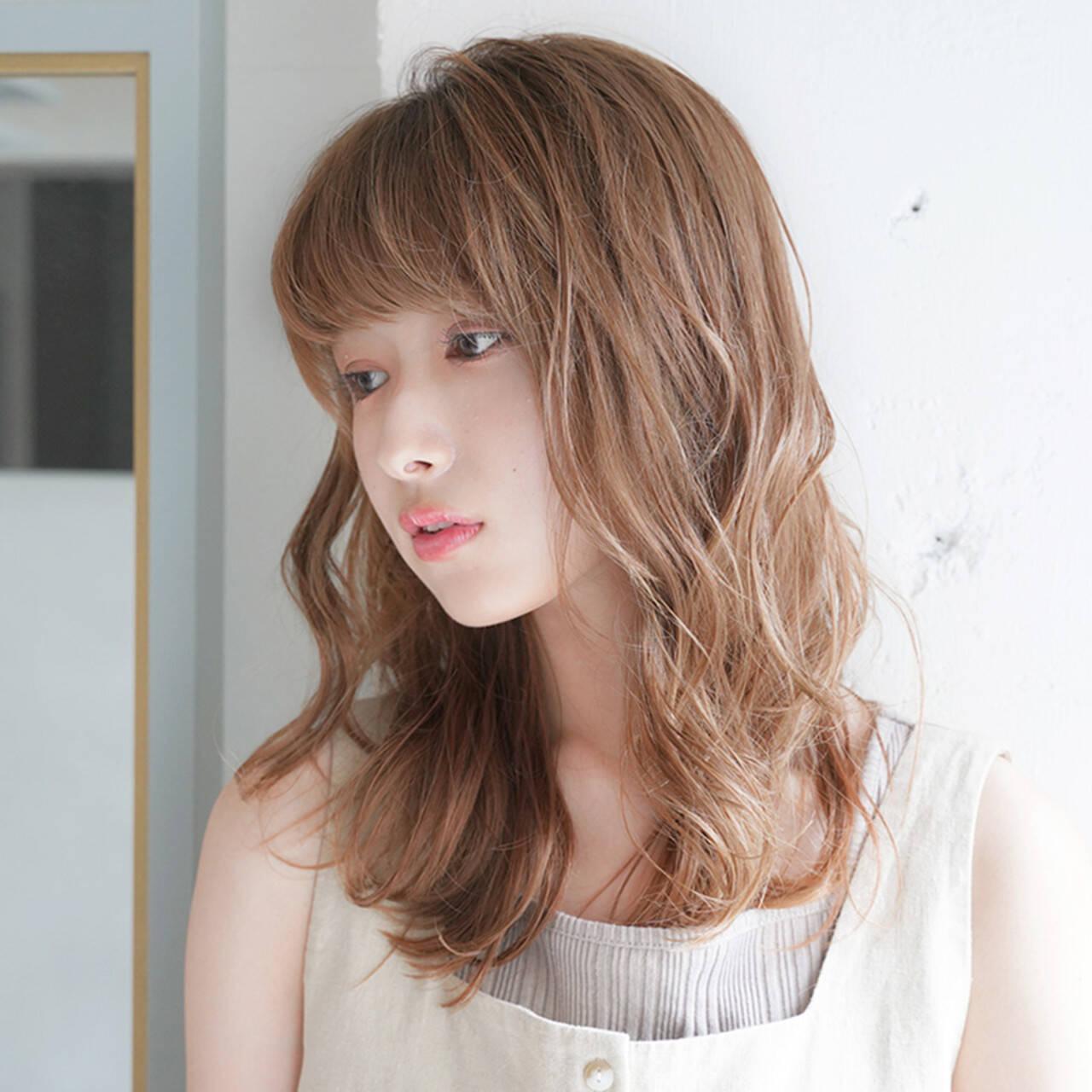 デジタルパーマ フェミニン ゆるふわ ゆる巻きヘアスタイルや髪型の写真・画像