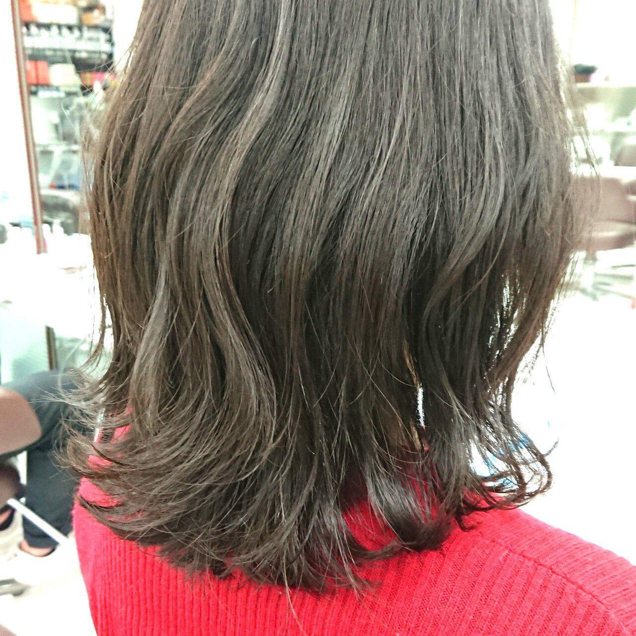 ミディアム 大人女子 ロブ 波ウェーブヘアスタイルや髪型の写真・画像
