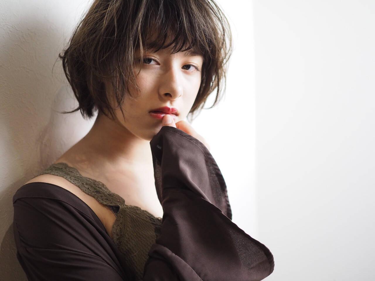 フェミニン パーマ ゆるふわ ショートヘアスタイルや髪型の写真・画像