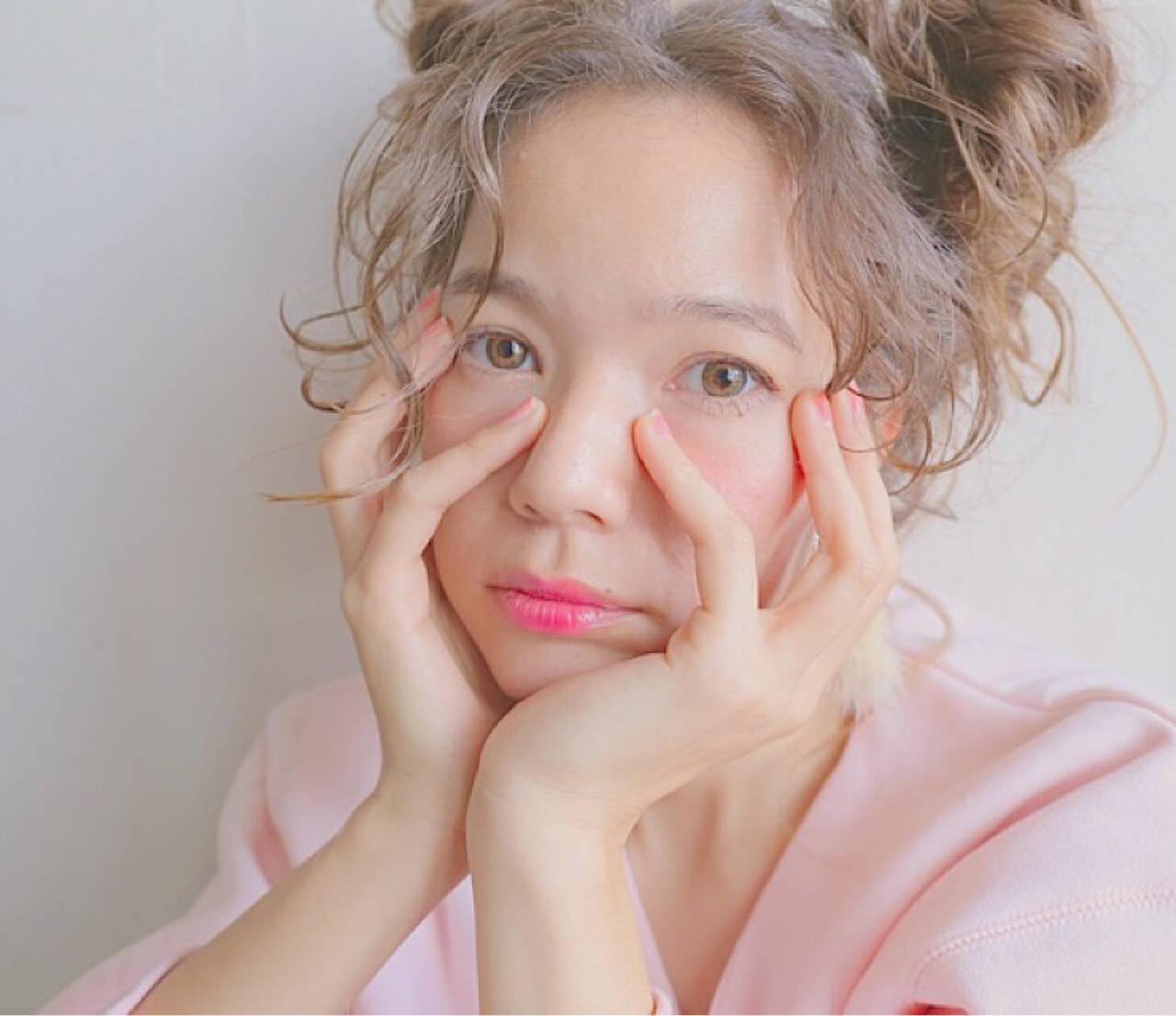 外国人風 ヘアアレンジ アッシュベージュ ショートヘアスタイルや髪型の写真・画像