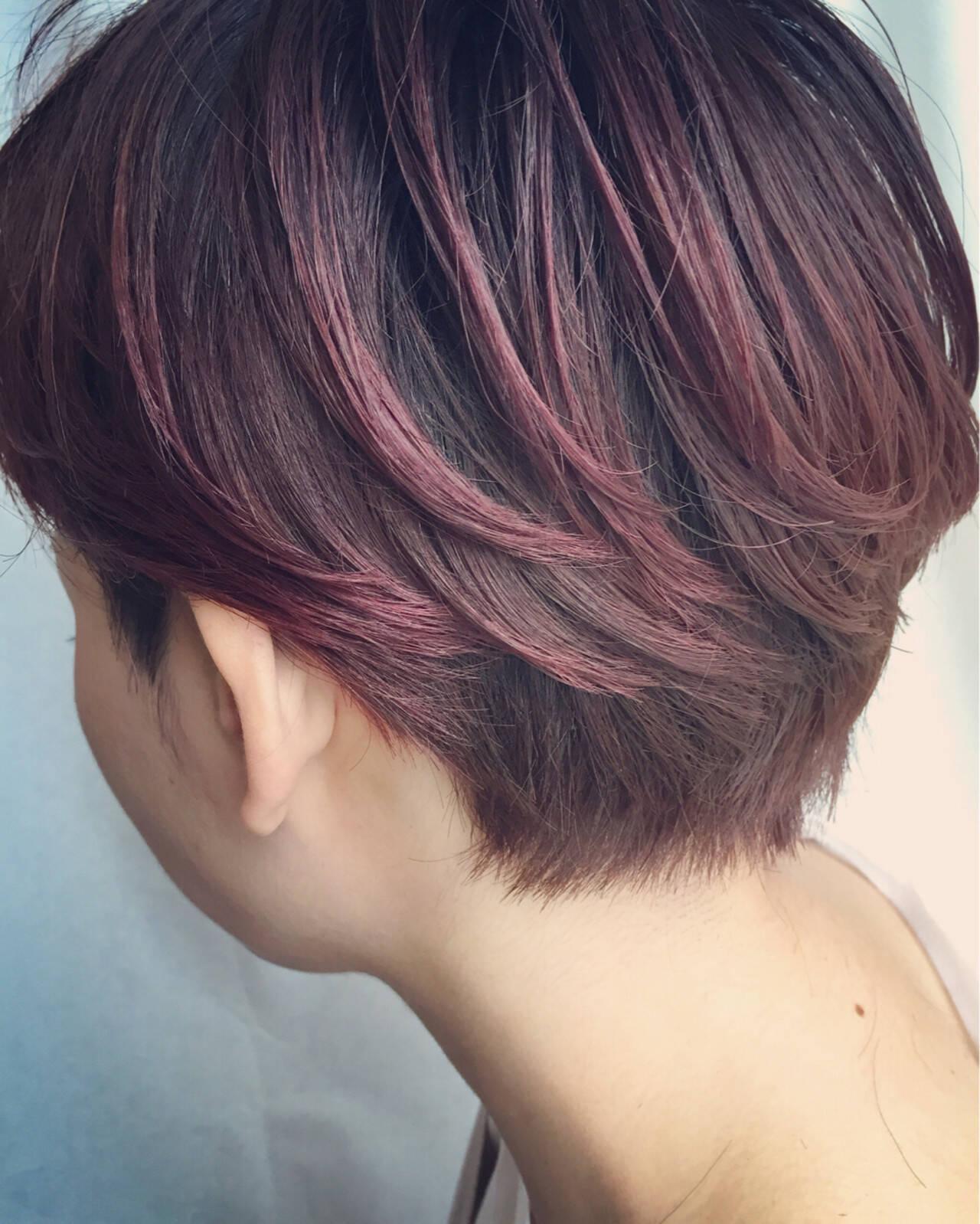 ベリーピンク レッド モード グラデーションカラーヘアスタイルや髪型の写真・画像