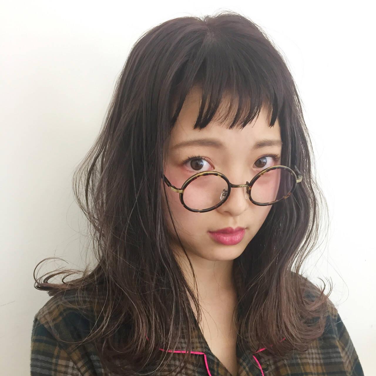 グレージュ ナチュラル オン眉 外国人風カラーヘアスタイルや髪型の写真・画像