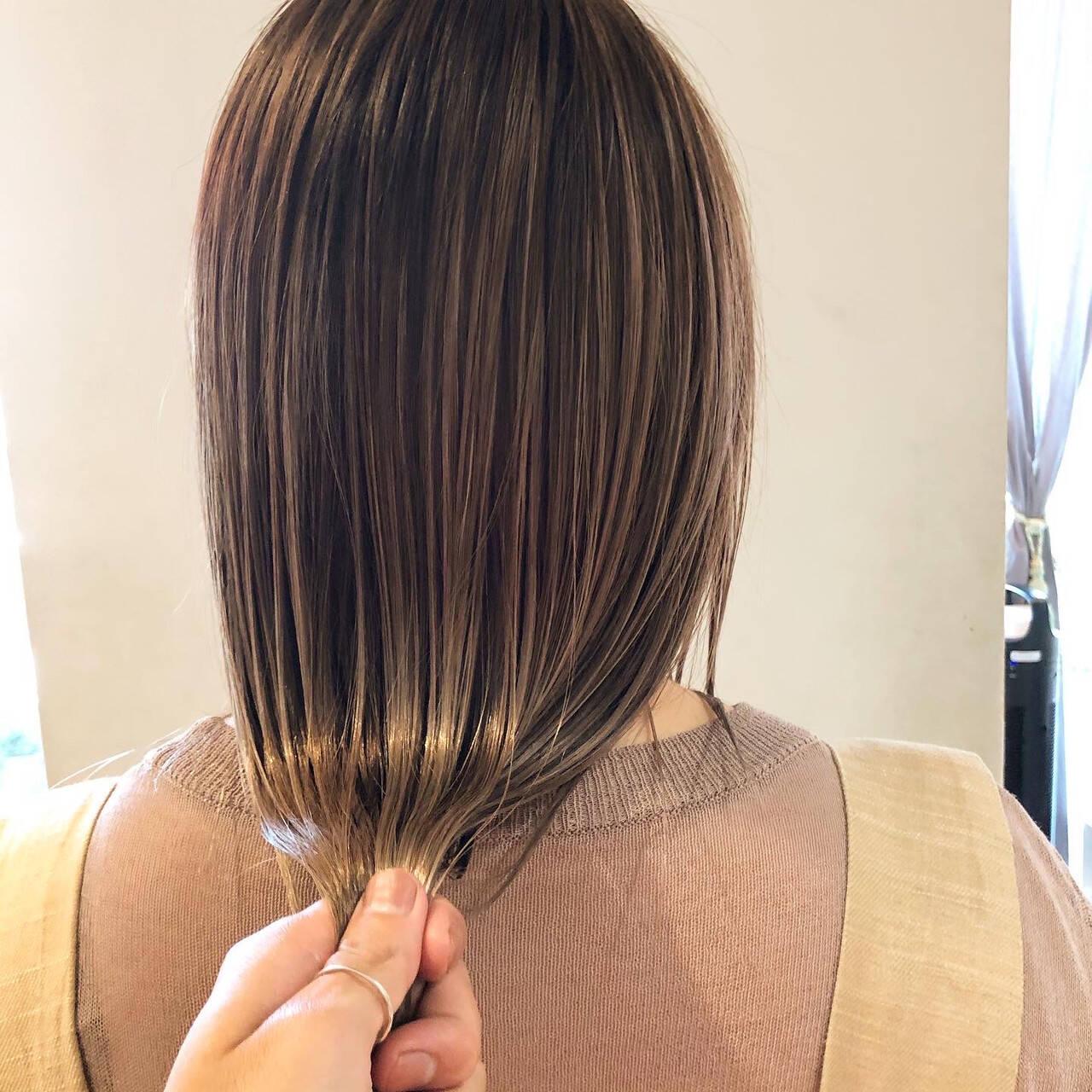 3Dハイライト 極細ハイライト ナチュラル 大人ハイライトヘアスタイルや髪型の写真・画像