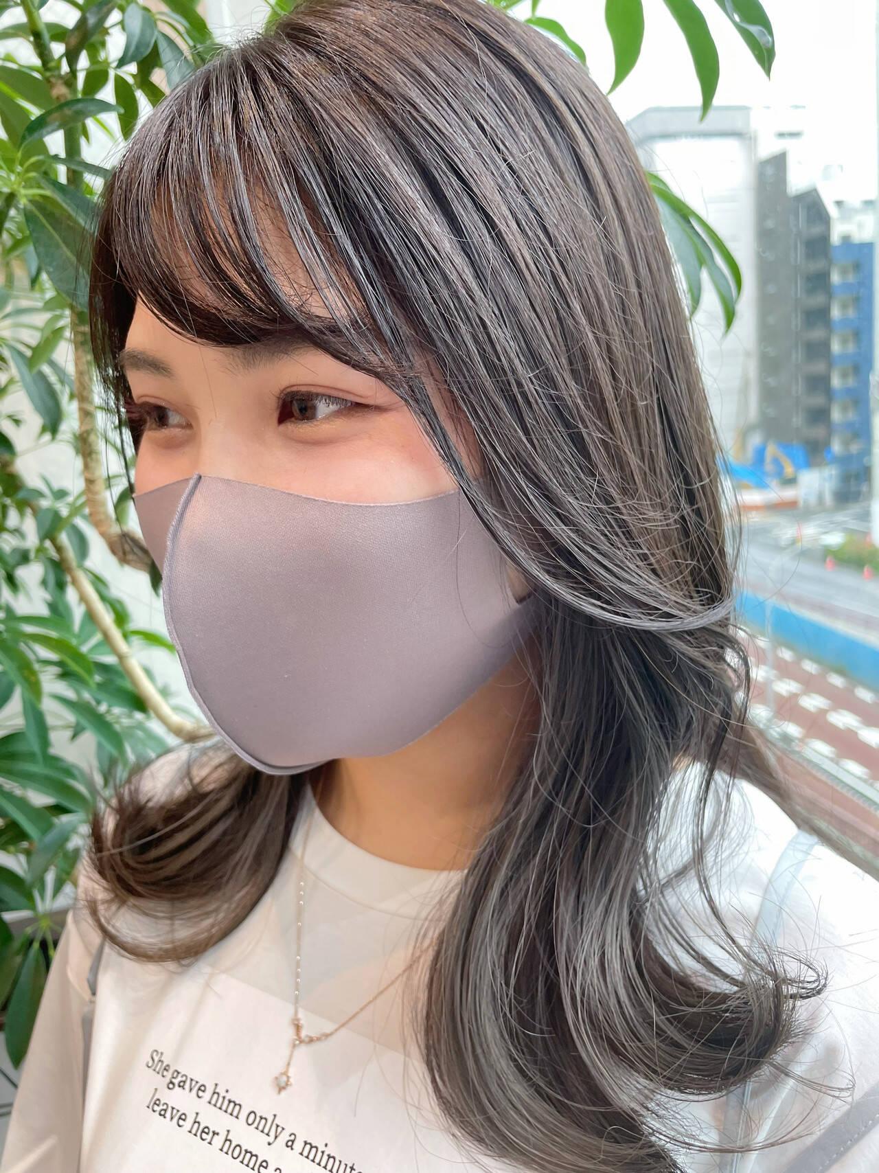 ミディアム グレー アッシュグレー 韓国ヘアスタイルや髪型の写真・画像