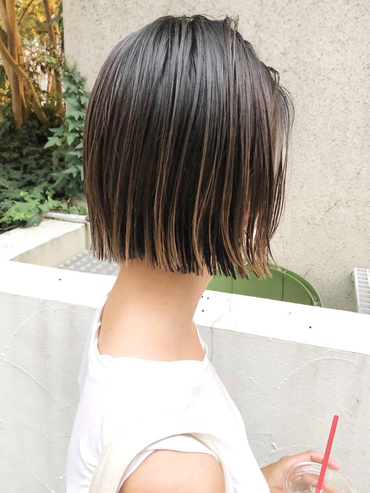 ストリート ボブ 切りっぱなしボブ インナーカラーヘアスタイルや髪型の写真・画像