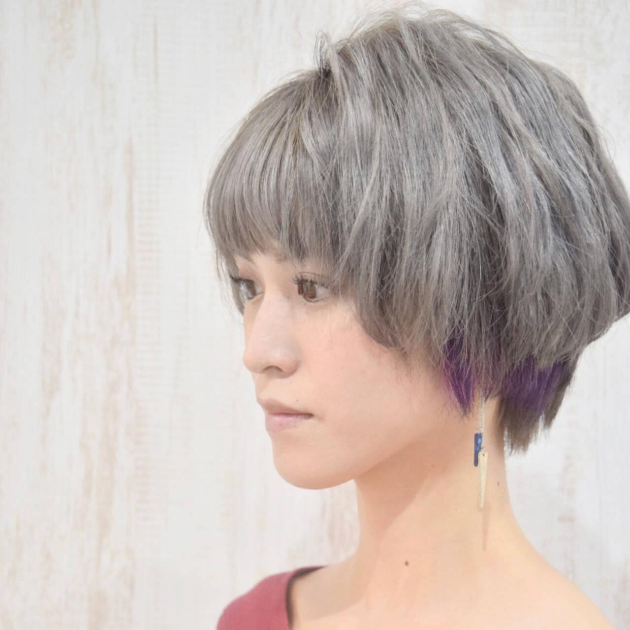 ベリーショート シルバー シルバーアッシュ エレガントヘアスタイルや髪型の写真・画像