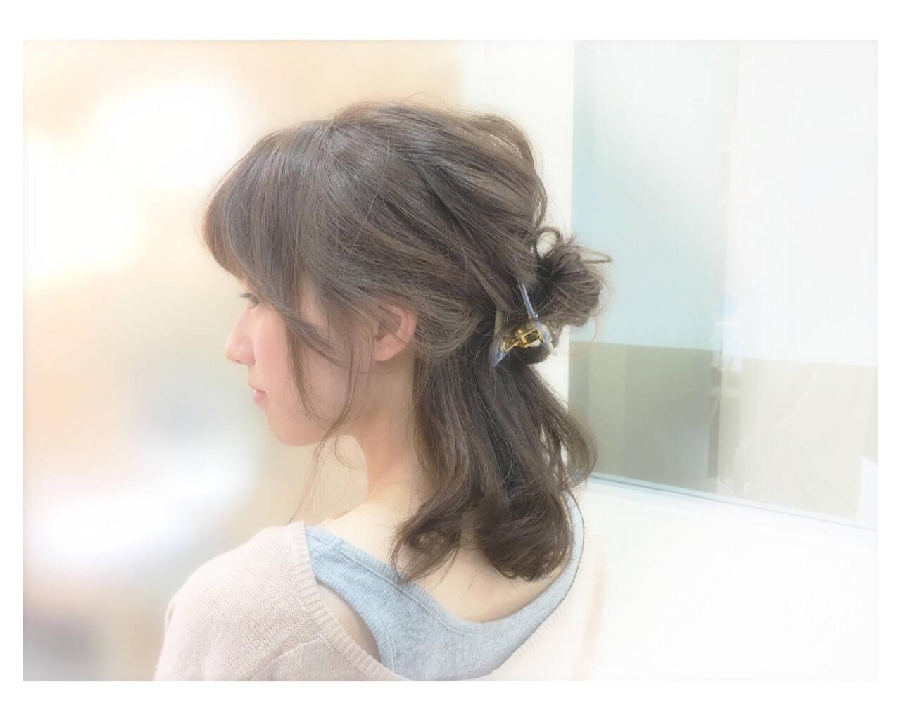 簡単ヘアアレンジ ゆるふわ フェミニン ショートヘアスタイルや髪型の写真・画像