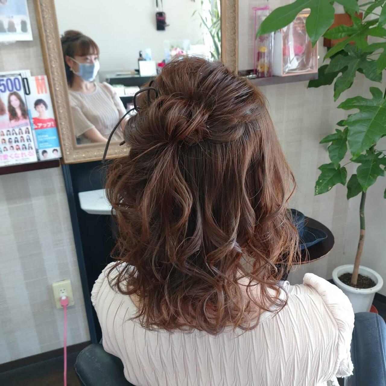 ナチュラル ヘアセット ミディアム 簡単ヘアアレンジヘアスタイルや髪型の写真・画像