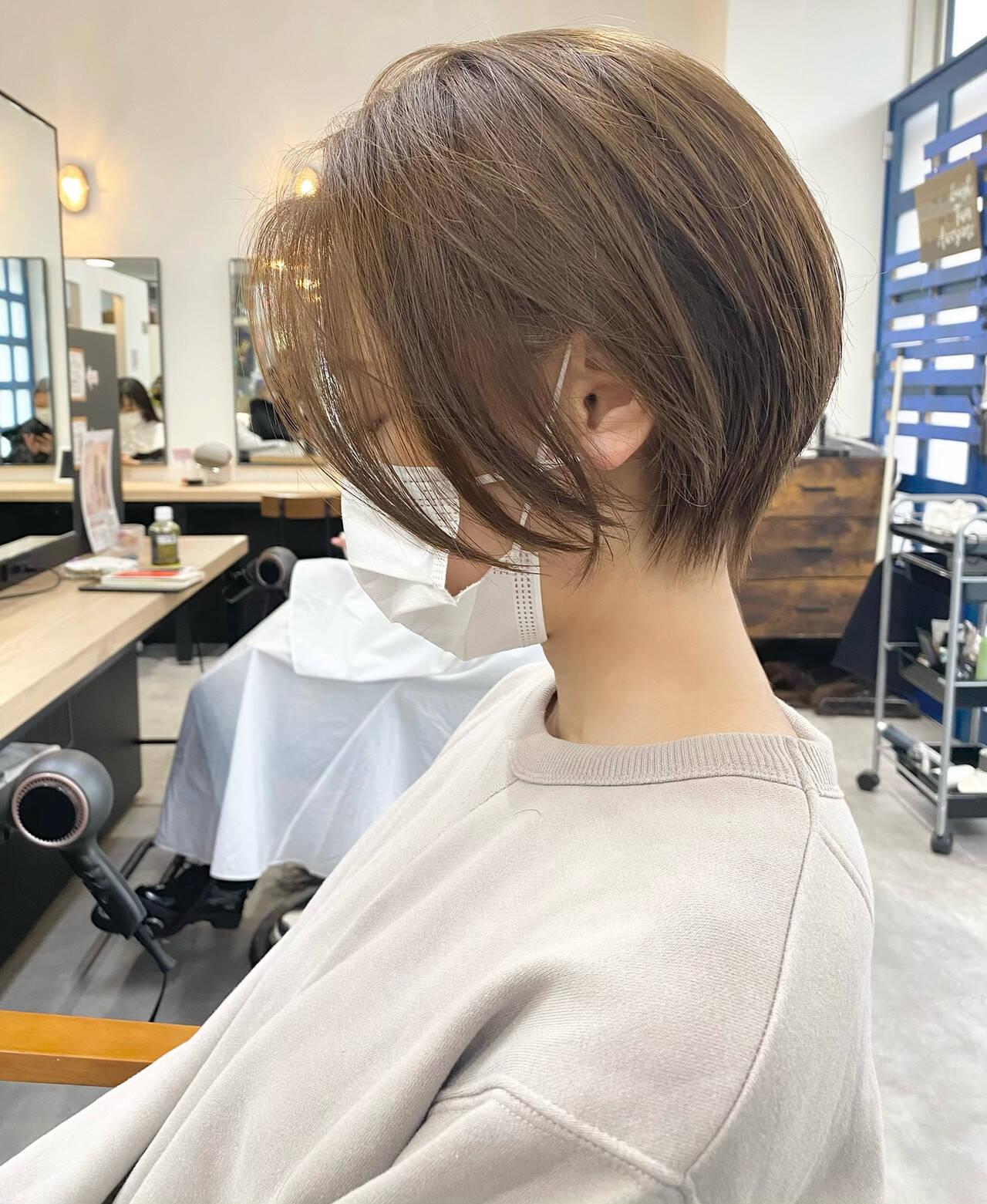 ショート ベージュ 大人ショート ナチュラルヘアスタイルや髪型の写真・画像