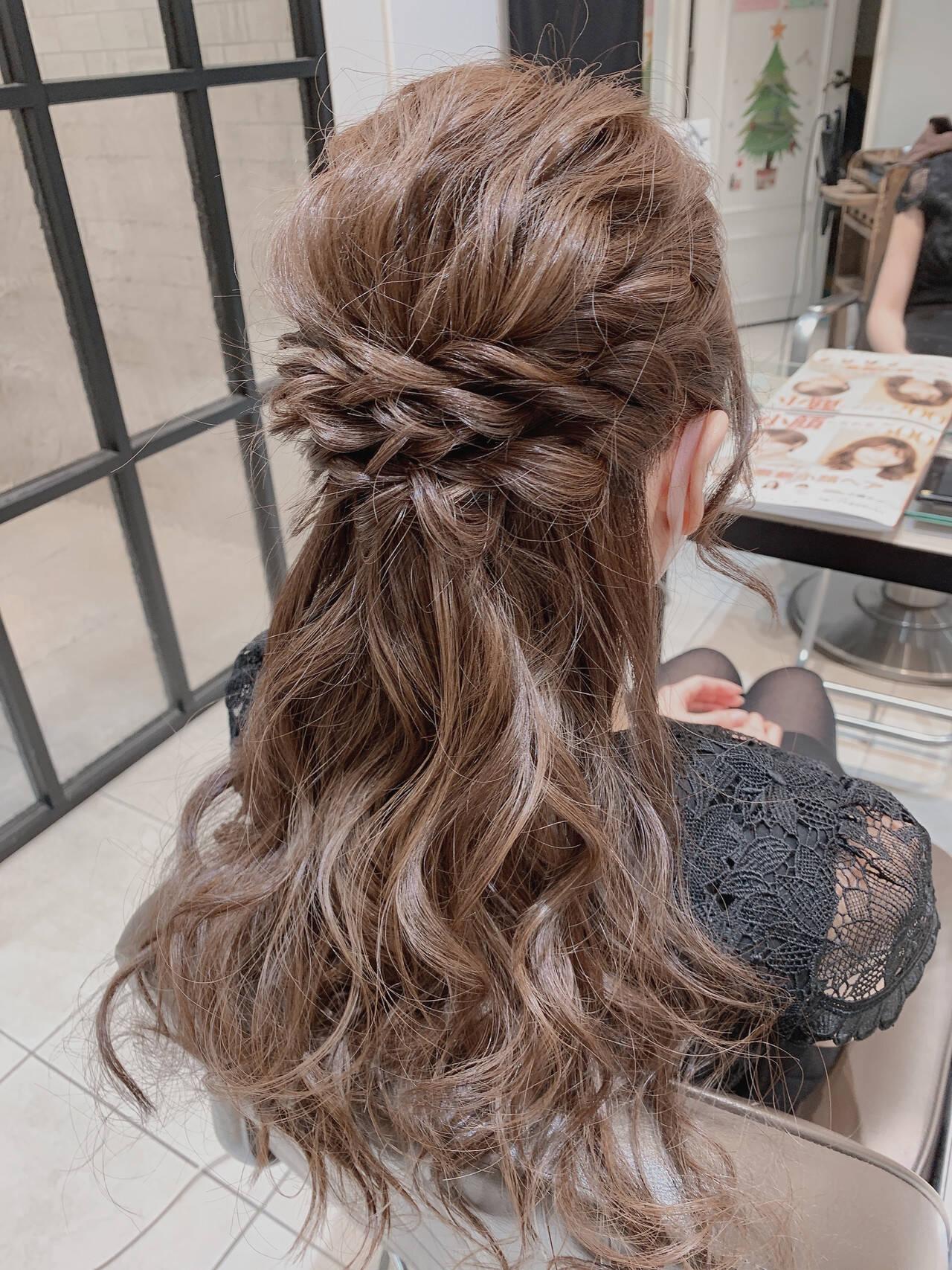 フェミニン ハーフアップ 結婚式ヘアアレンジ 二次会ヘアヘアスタイルや髪型の写真・画像