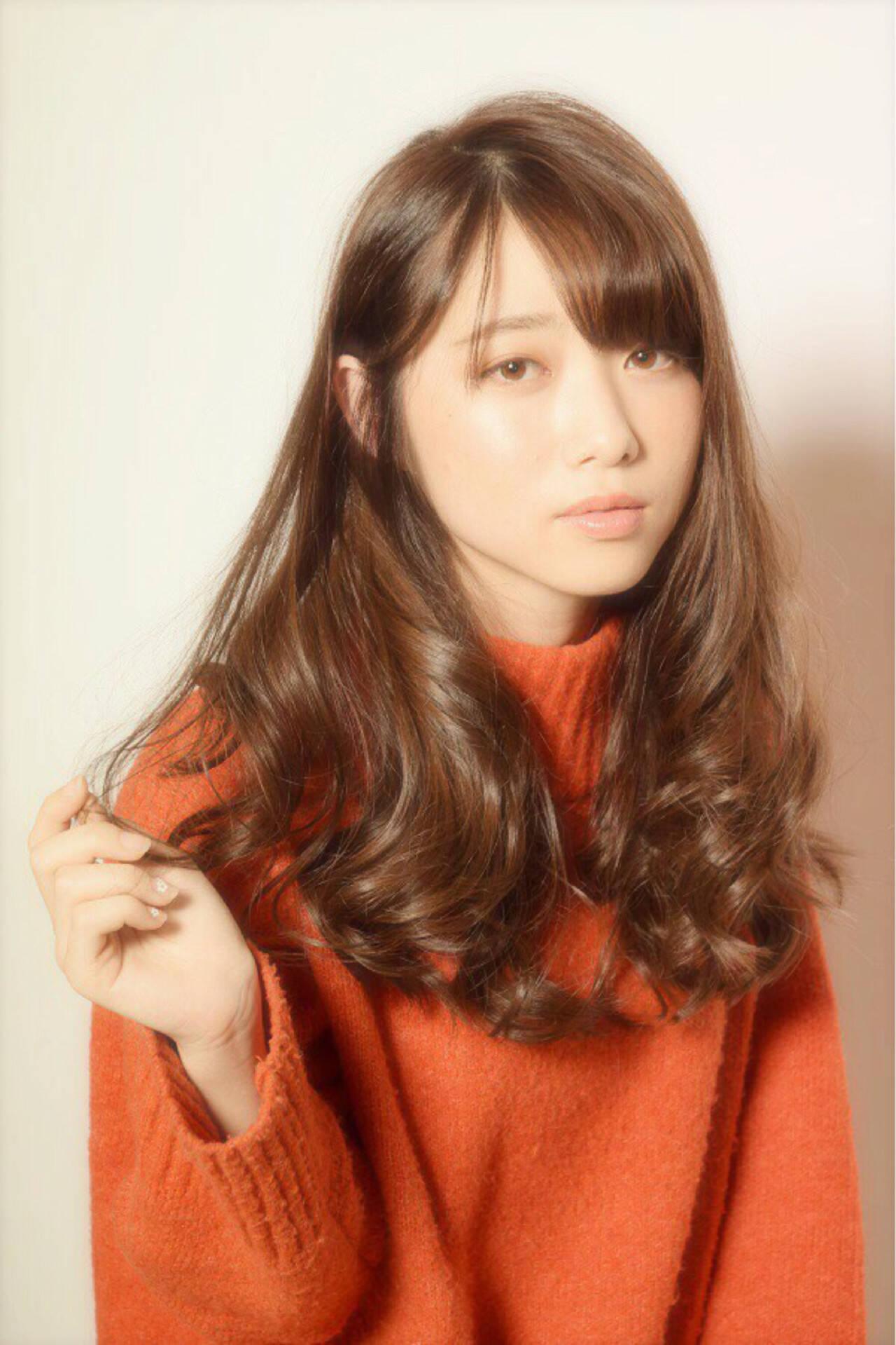 アンニュイ 上品 巻き髪 ゆるふわヘアスタイルや髪型の写真・画像