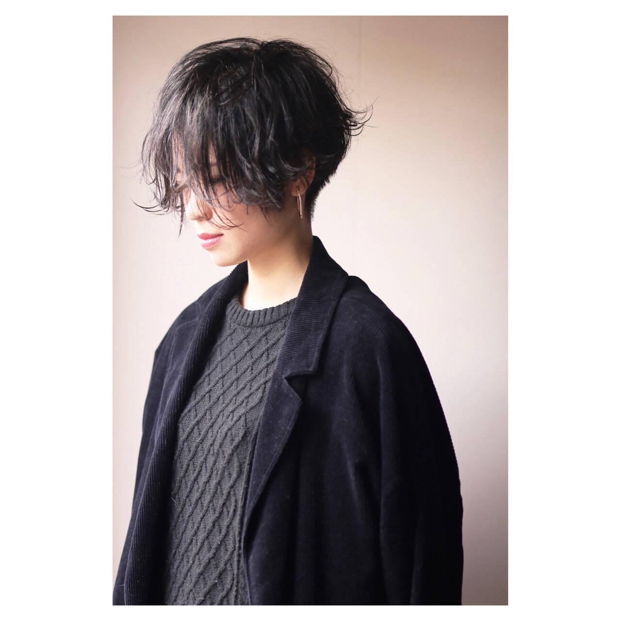 ショート 刈り上げ モード レディースヘアスタイルや髪型の写真・画像