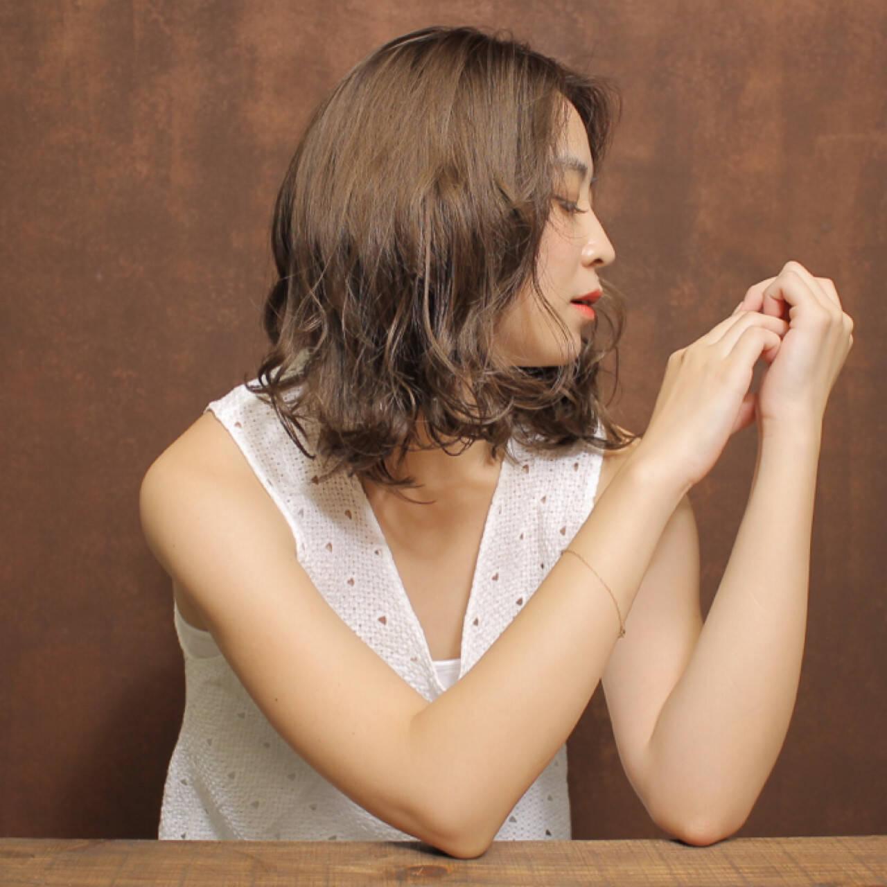 色気 ニュアンス かわいい 小顔ヘアスタイルや髪型の写真・画像