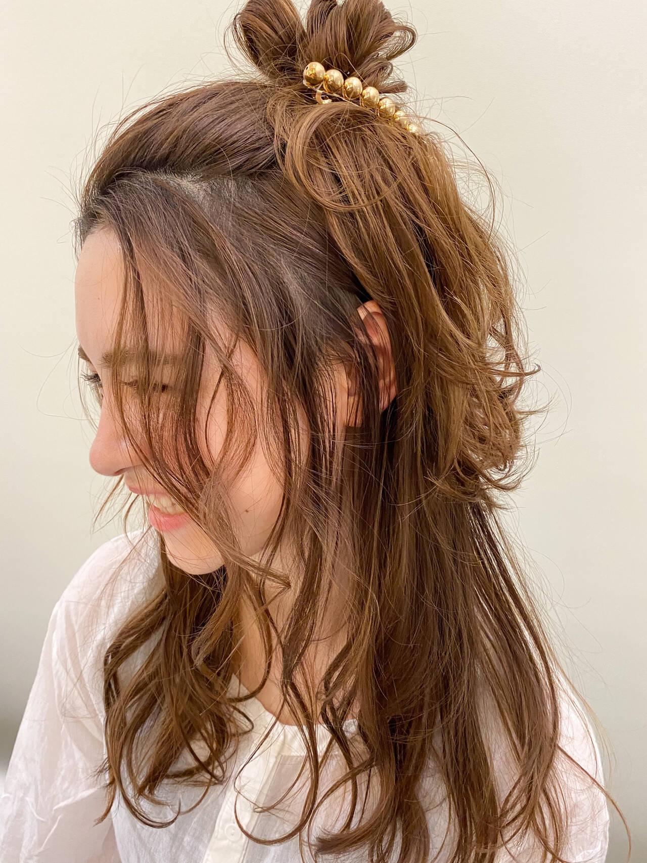 ヘアアレンジ ナチュラル 前髪アレンジ ロングヘアスタイルや髪型の写真・画像
