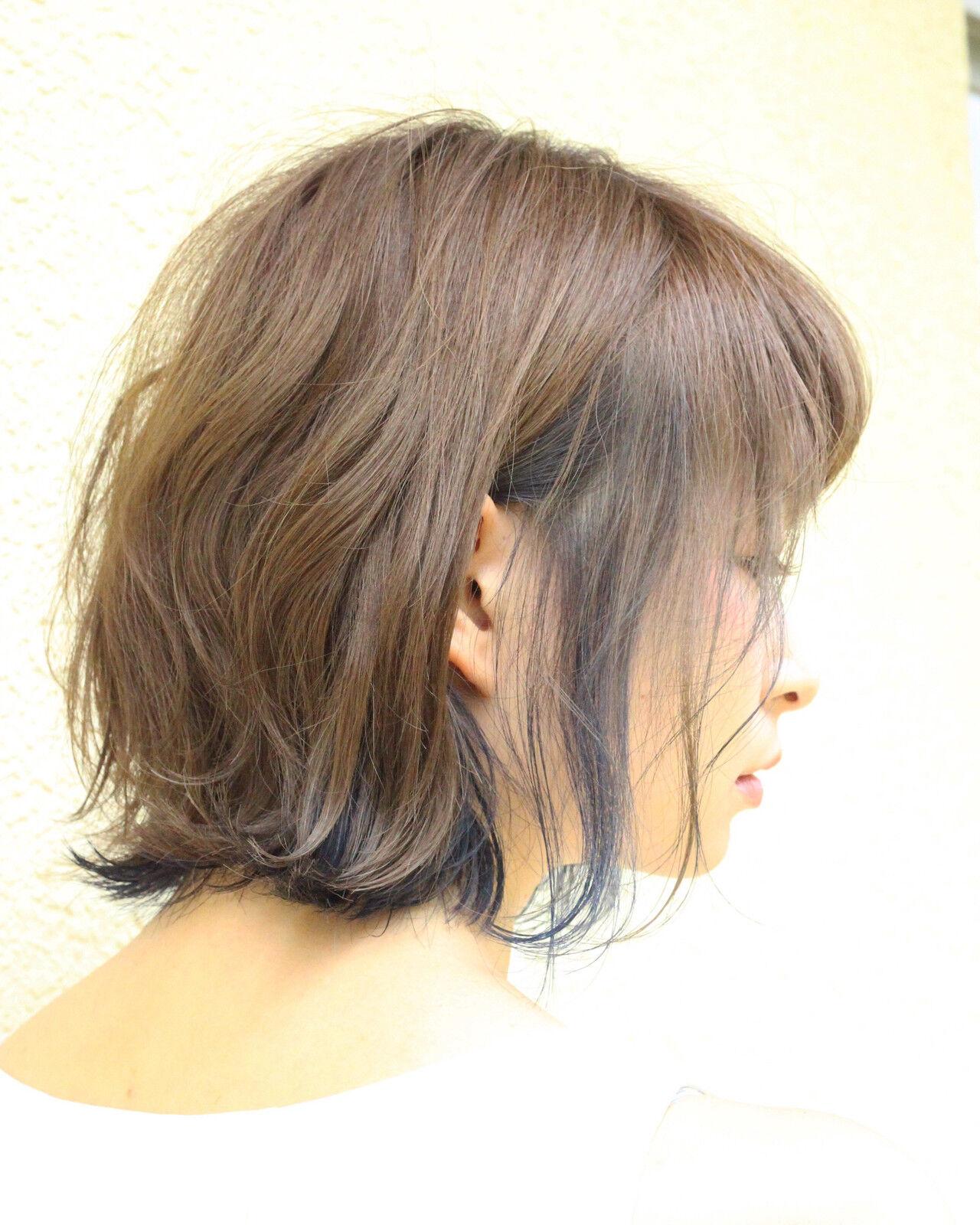 切りっぱなしボブ ナチュラル ベージュ イルミナカラーヘアスタイルや髪型の写真・画像