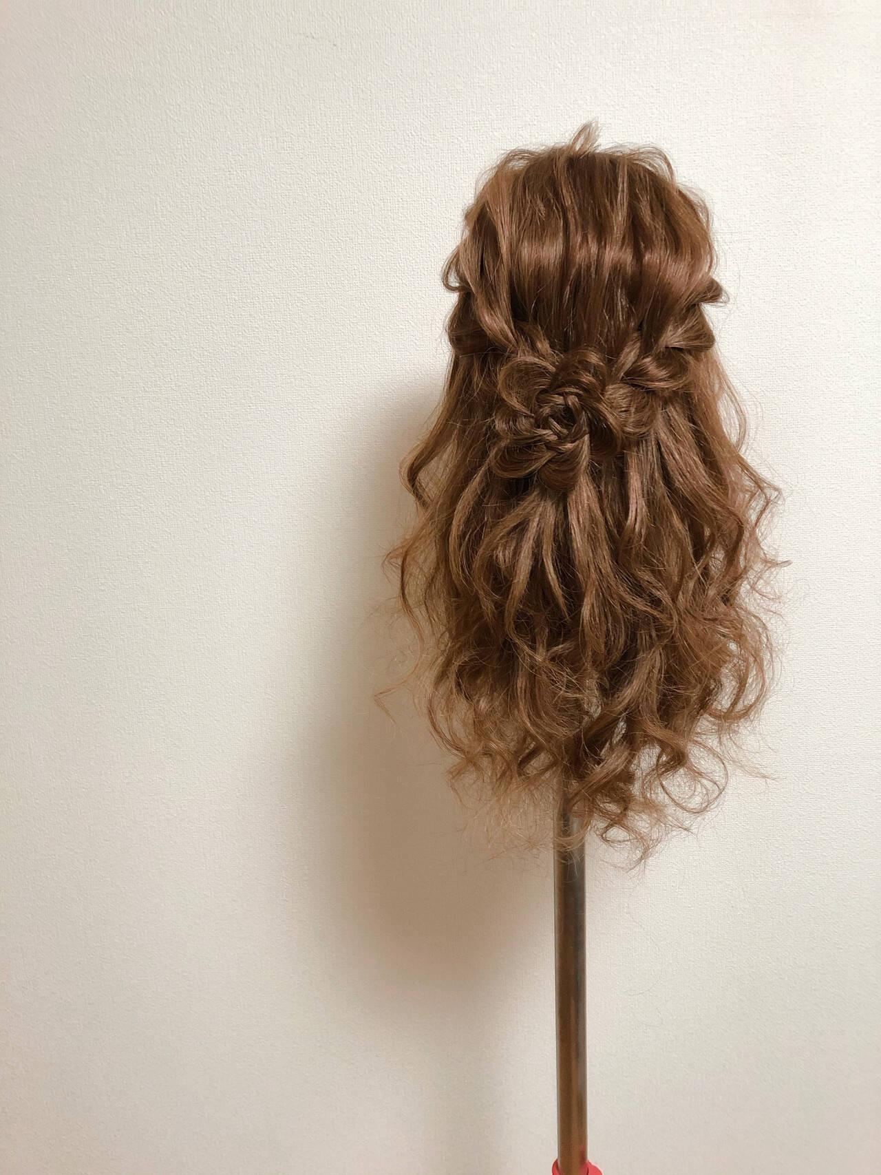 編み込みヘア セミロング ガーリー ヘアアレンジヘアスタイルや髪型の写真・画像