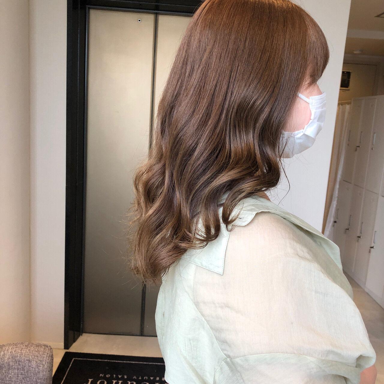ナチュラルベージュ ブラウンベージュ ベージュ アッシュベージュヘアスタイルや髪型の写真・画像