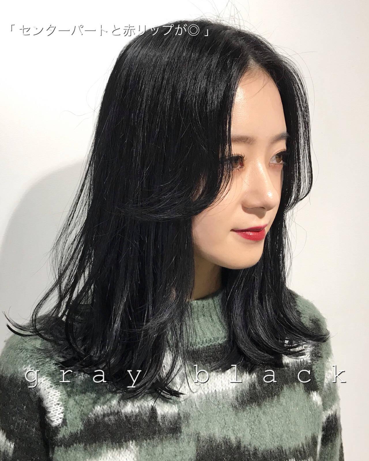 暗髪 モード ネイビー レイヤーカットヘアスタイルや髪型の写真・画像