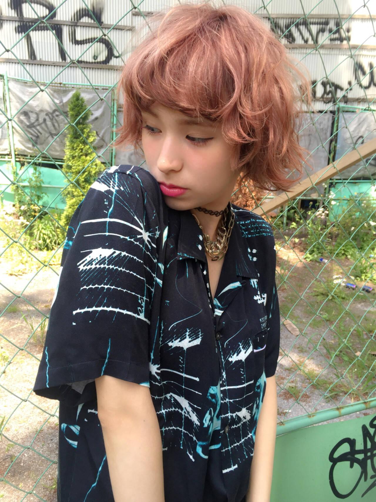 ボブ 黒髪 外国人風 グラデーションカラーヘアスタイルや髪型の写真・画像