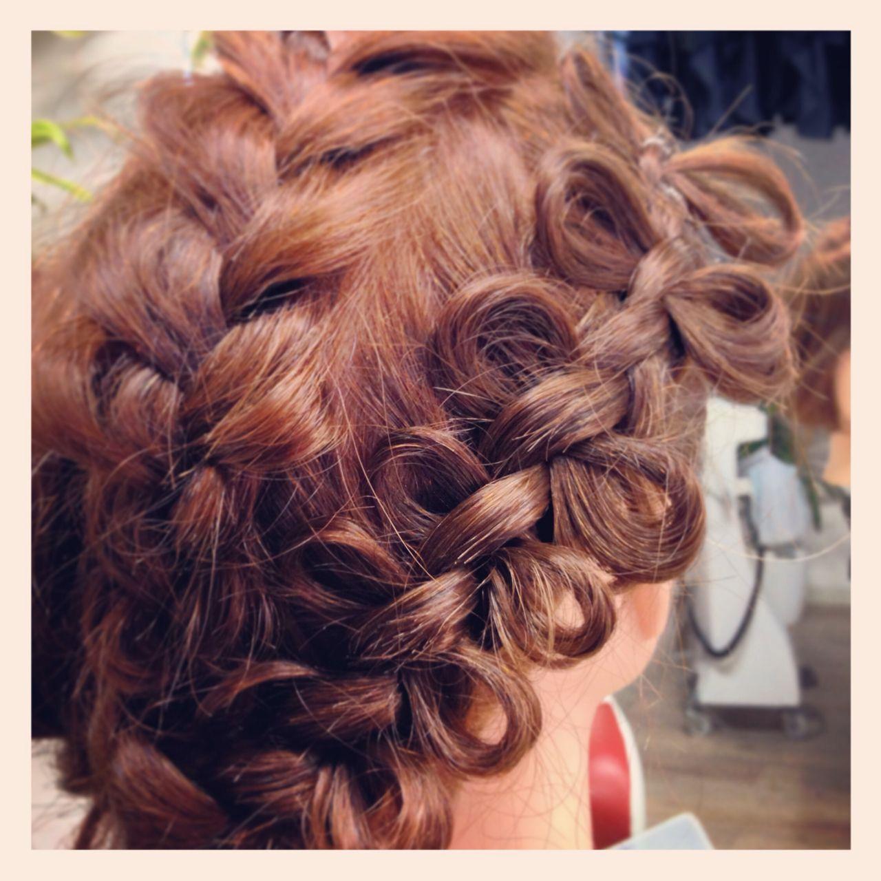 編み込み モテ髪 ヘアアレンジ コンサバヘアスタイルや髪型の写真・画像