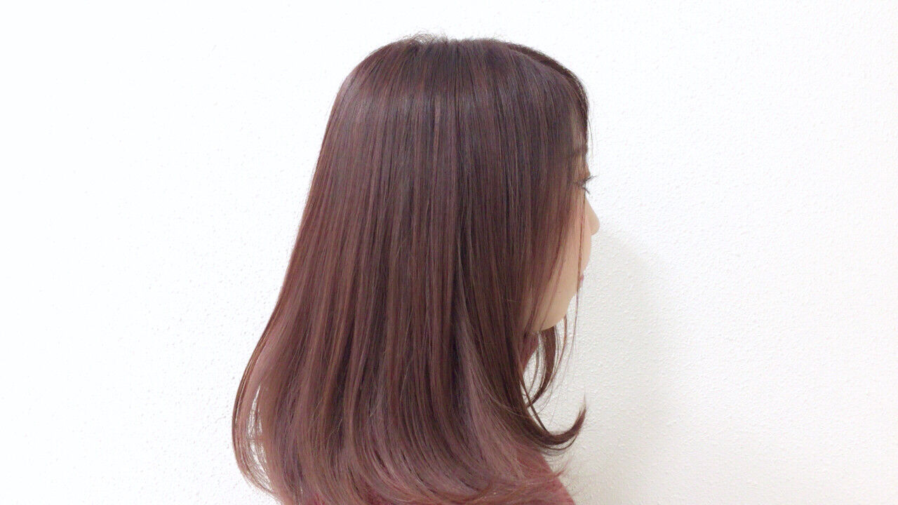 ガーリー ナチュラル ピンク ストレートヘアスタイルや髪型の写真・画像