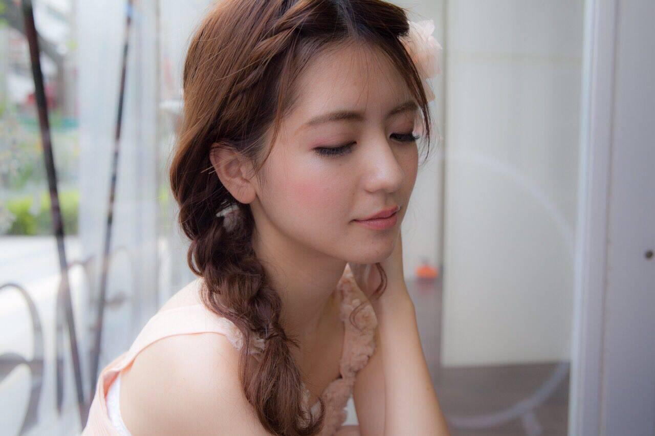 結婚式 セミロング ヘアアレンジ 三つ編みヘアスタイルや髪型の写真・画像