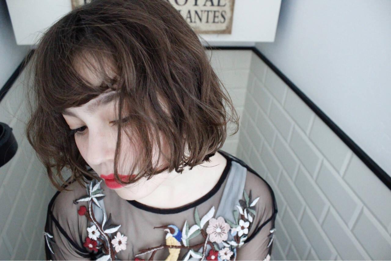 外国人風 パーマ ニュアンス ナチュラルヘアスタイルや髪型の写真・画像
