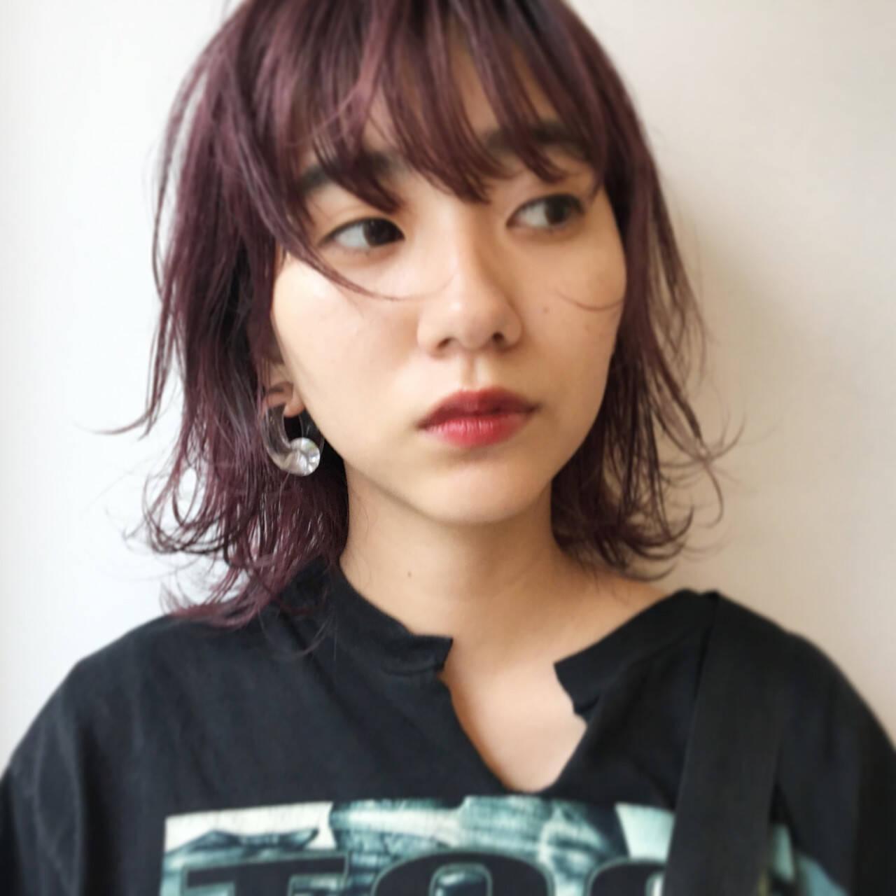 ミディアム ウェットヘア ダブルカラー ストリートヘアスタイルや髪型の写真・画像