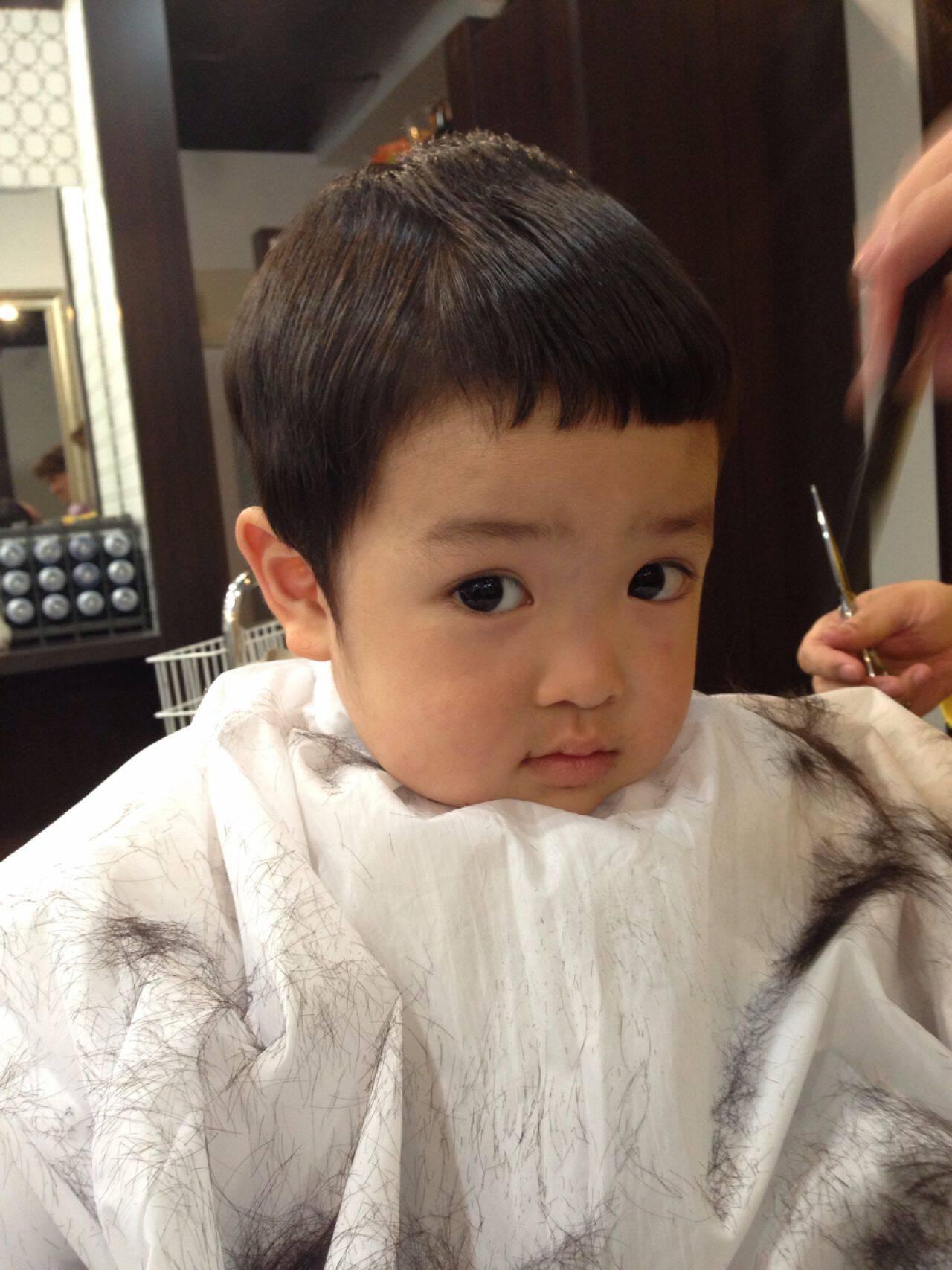 ナチュラル 前髪アレンジ 前髪パッツン マッシュヘアスタイルや髪型の写真・画像