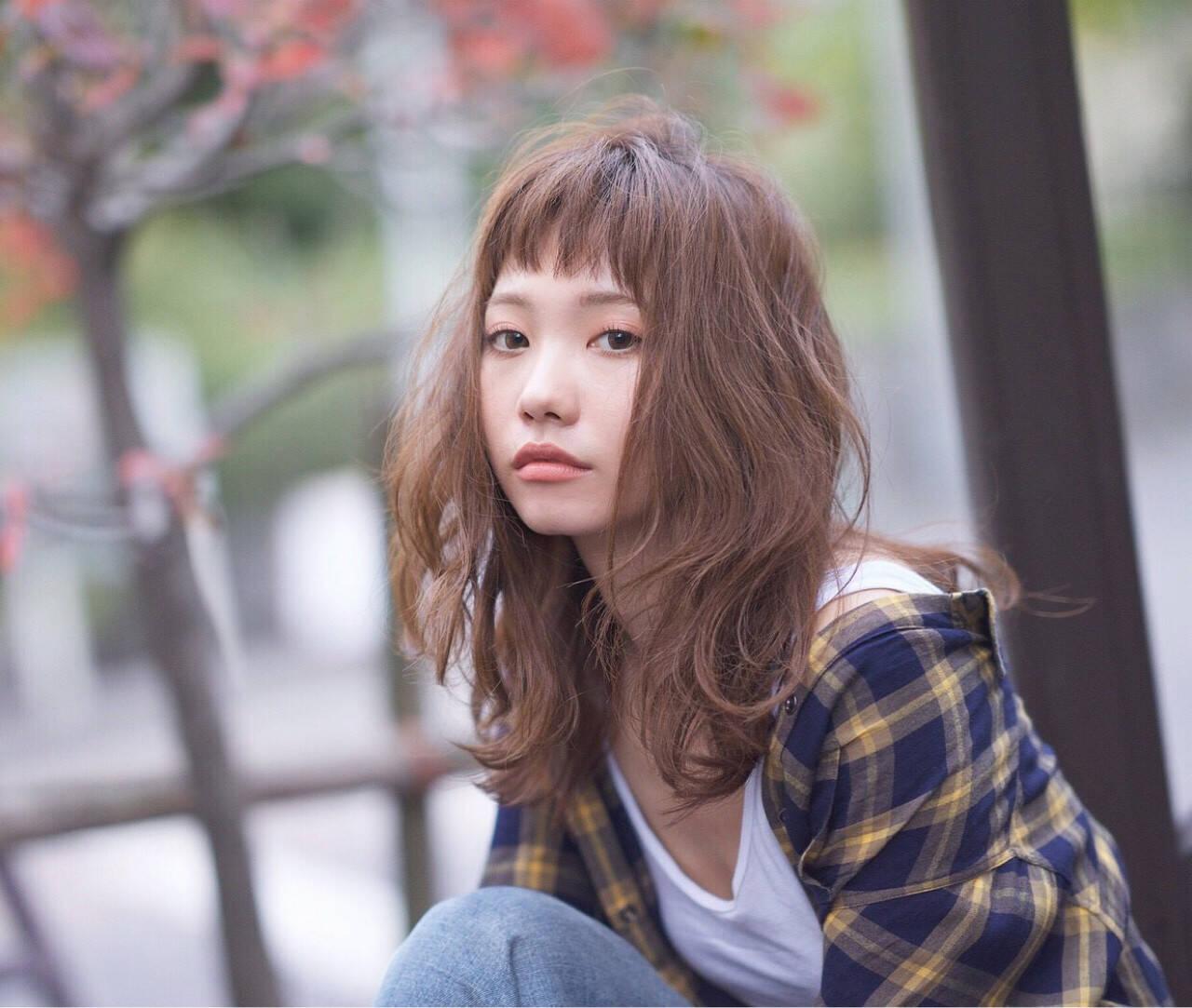 ミディアム ストリート パーマ 外国人風ヘアスタイルや髪型の写真・画像
